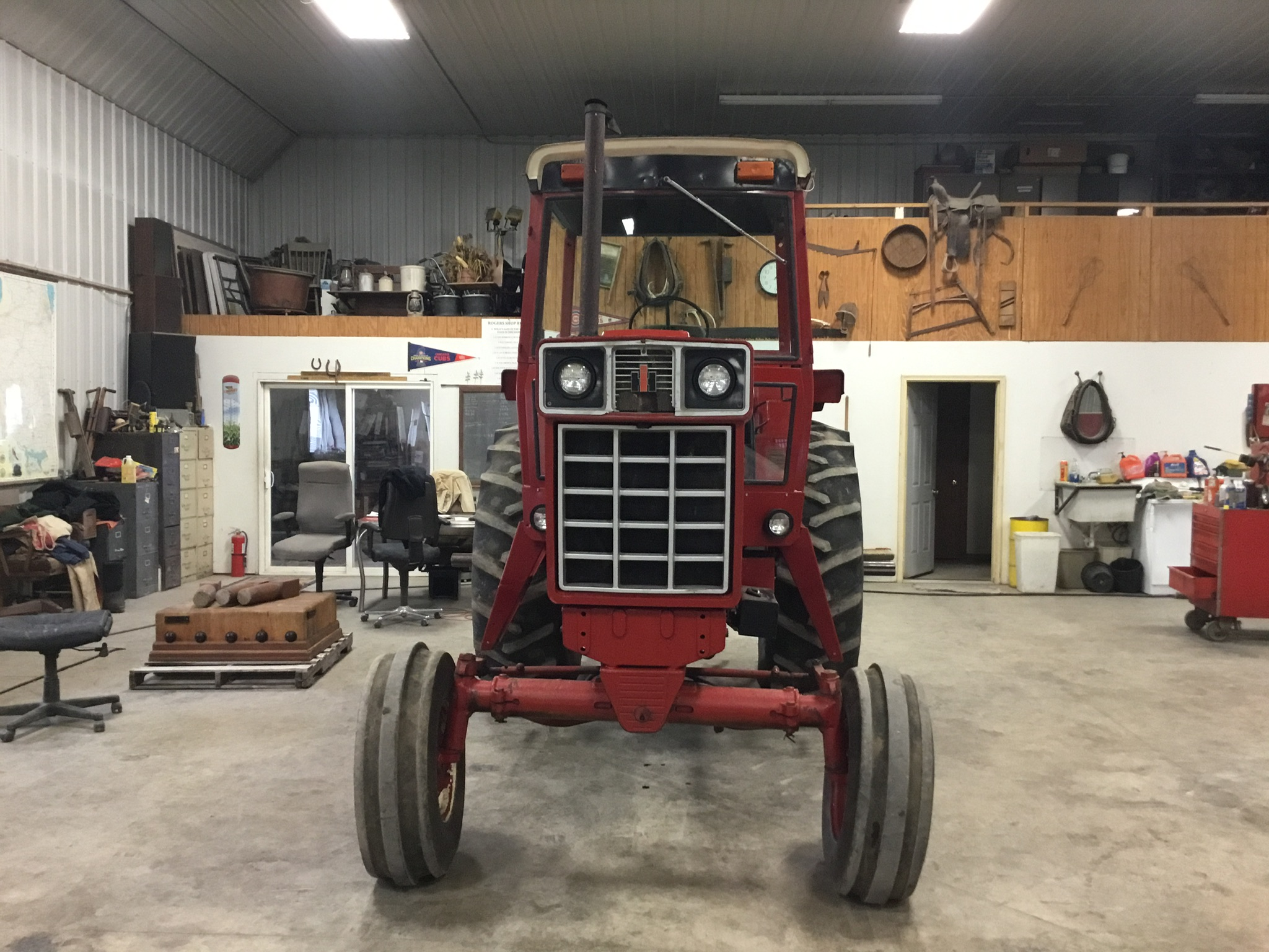1976 International 886 Diesel, 4 Post Rops, 2 Hyd. Remotes, 3 Pt. Hitch, PTO, Serial #009595 - Image 5 of 8