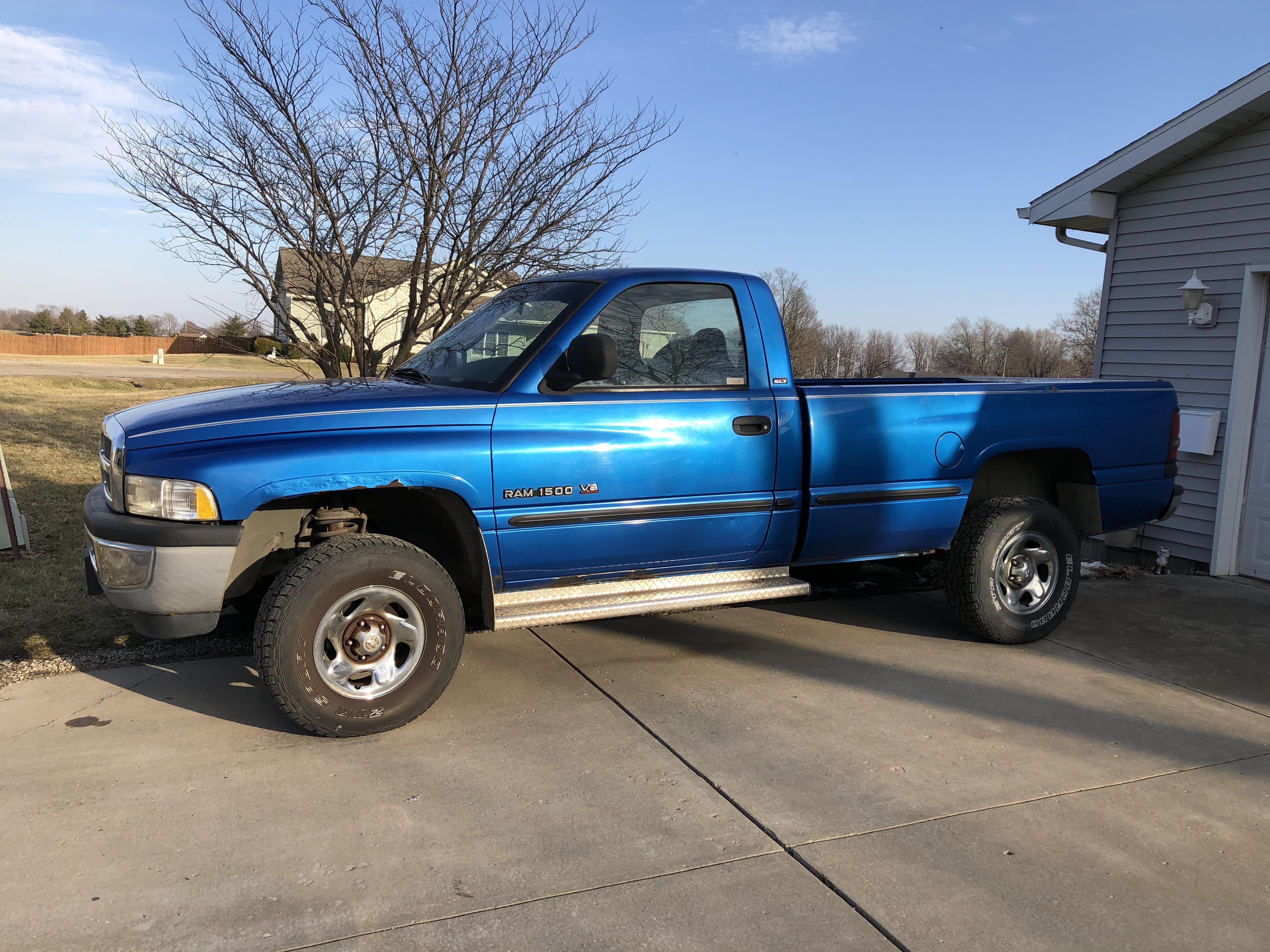 Lot 28 - 1998 Dodge Ram 2500 Pickup Truck, 4x4, Gas Motor (Blue)