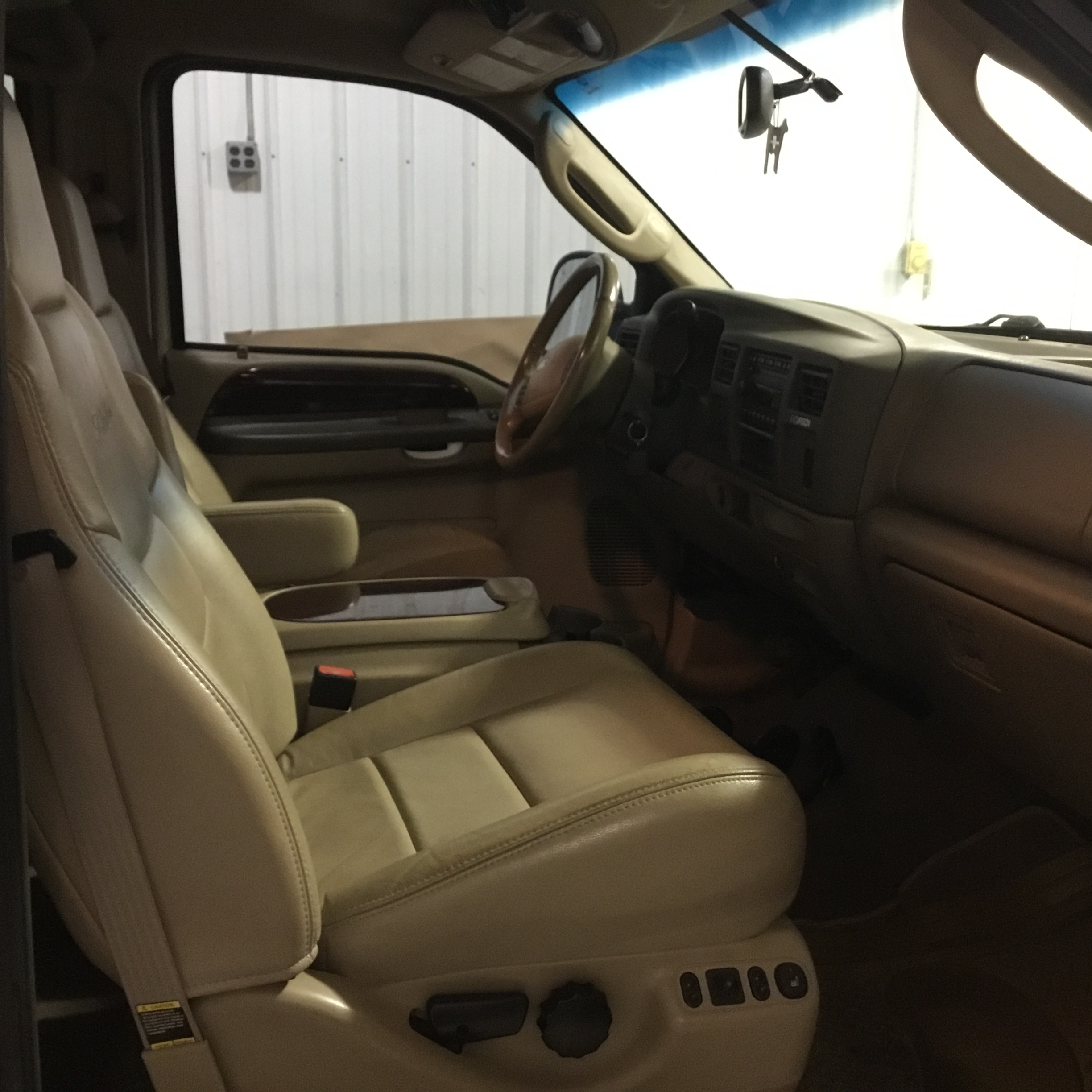 2004 Ford Excursion Limited, 6.0 Diesel, 4x4, 205,000 Miles, Vin 1C4NJPBB2HD103824, Tan, Good - Image 5 of 12