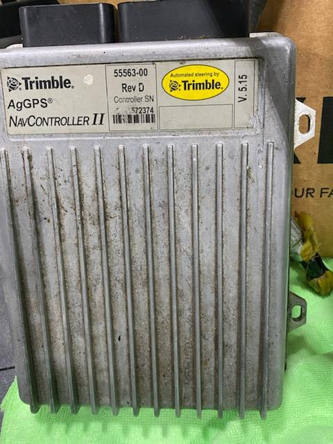 Trimble 750 Monitor W/ Cables, Foot Control, Antenna, Hydraulic Hoses & Connections - Image 6 of 7