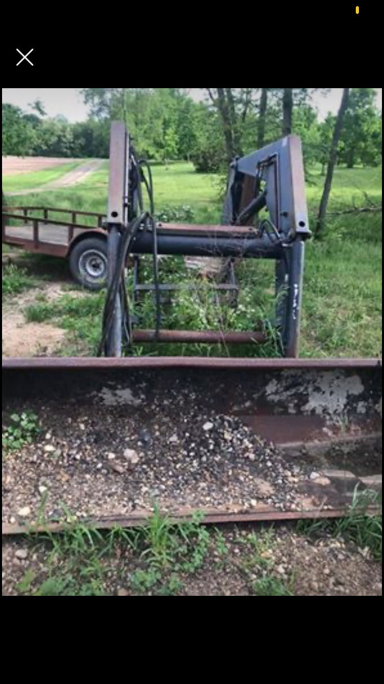Allied 595 Loader. This Loader came off of a JD 4020