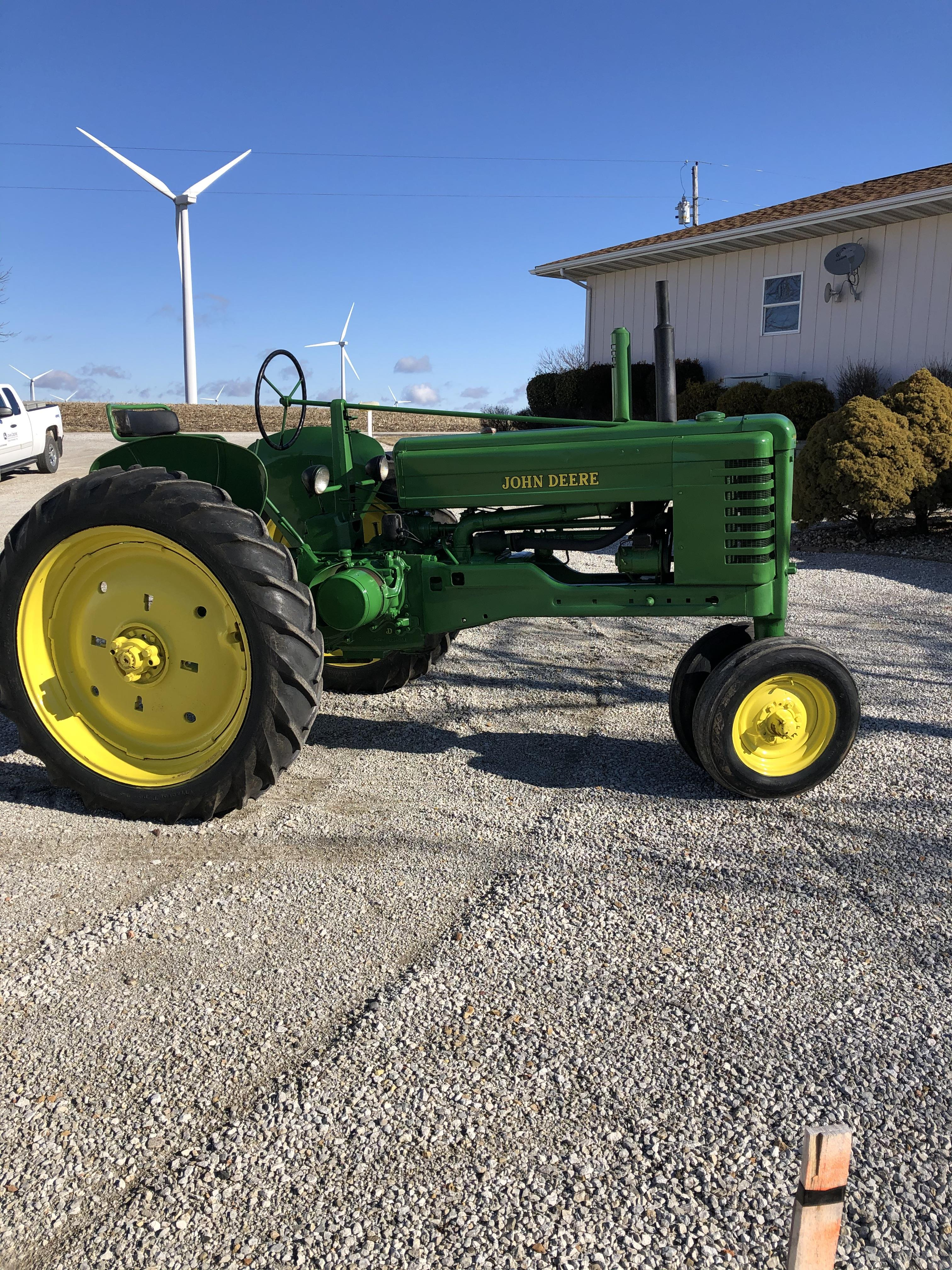1951 John Deere B w/ Fenders Restored Sharp Looking and Running Tractor