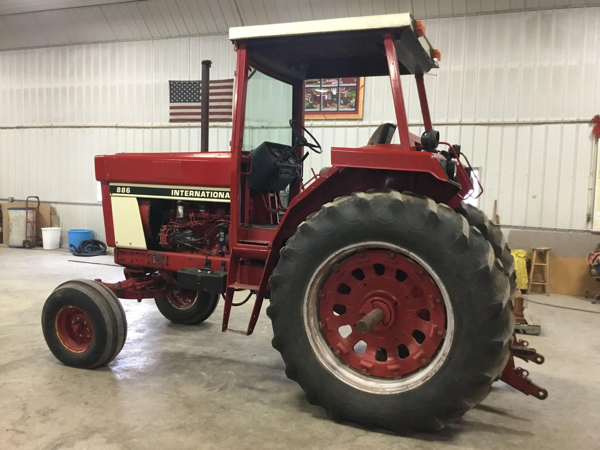 1976 International 886 Diesel, 4 Post Rops, 2 Hyd. Remotes, 3 Pt. Hitch, PTO, Serial #009595 - Image 3 of 8