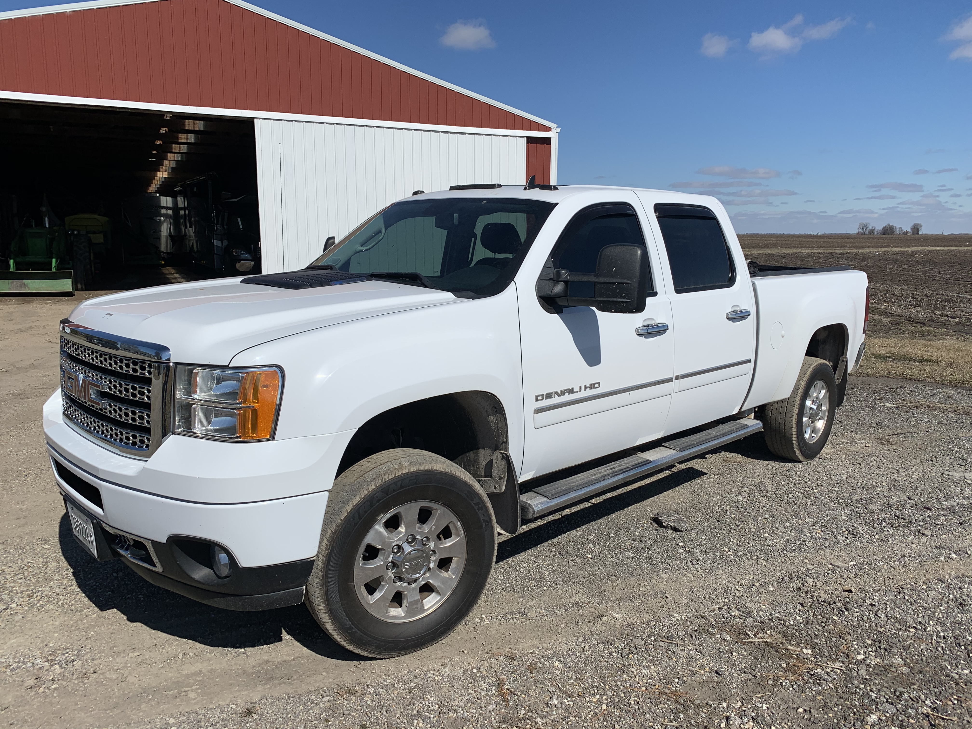 2013 GMC Denali 2500 HD Pickup 4x4 Duramax Diesel, Completely Deleted