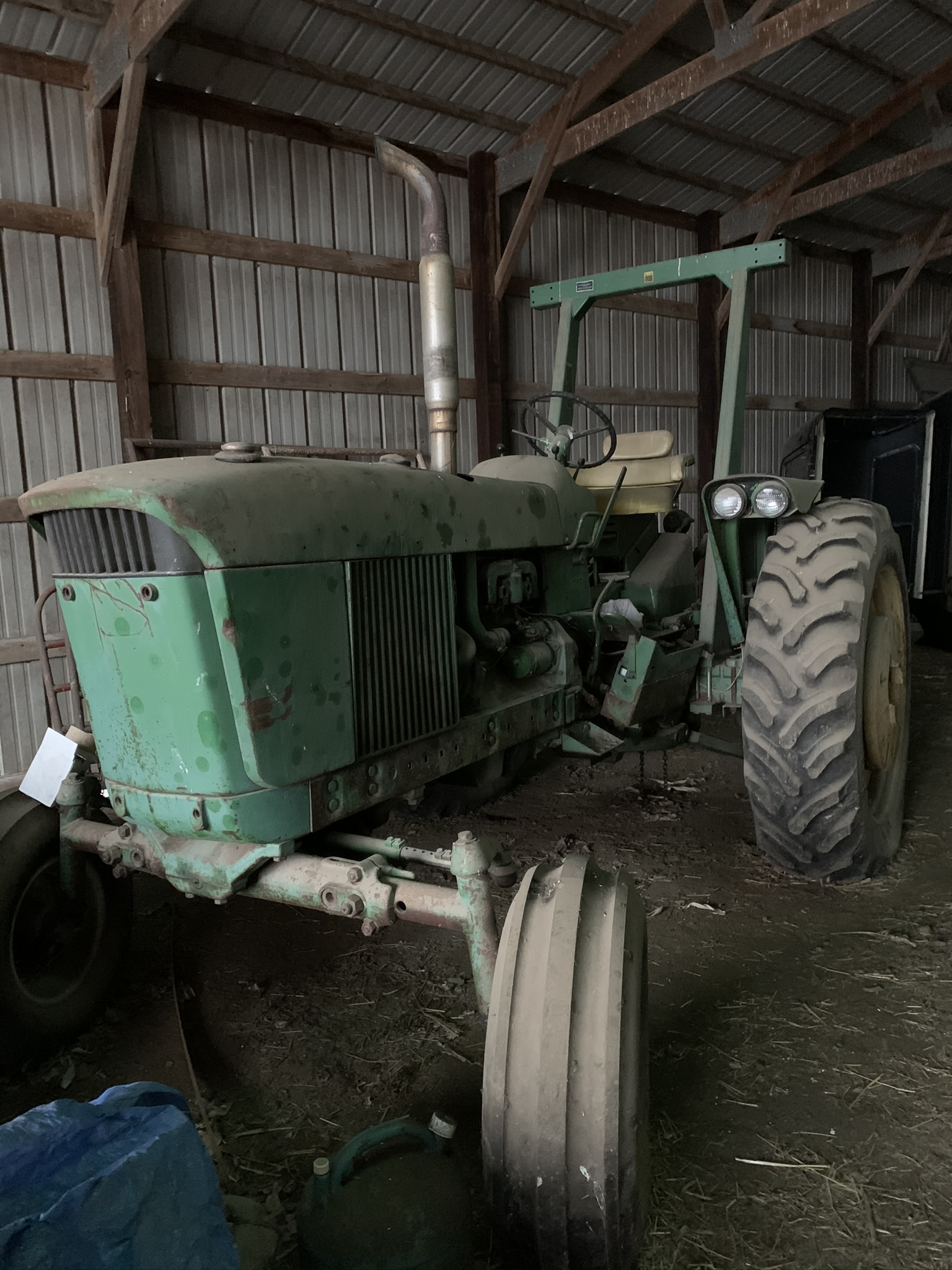 1962 JD 3010 GAS, Synchro Range Transmission, Single Hydraulic Remote