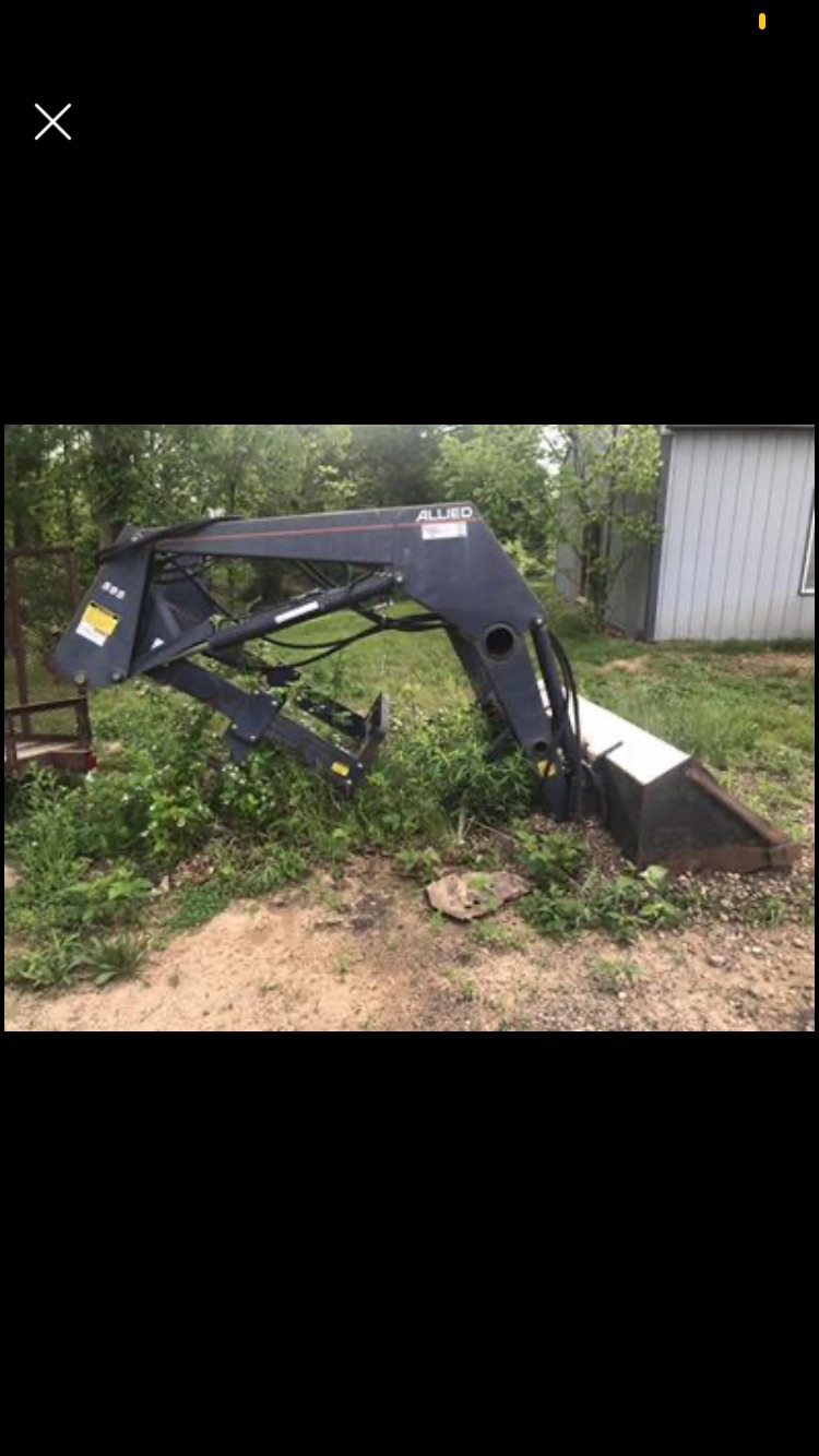 Lot 42 - Allied 595 Loader. This Loader came off of a JD 4020