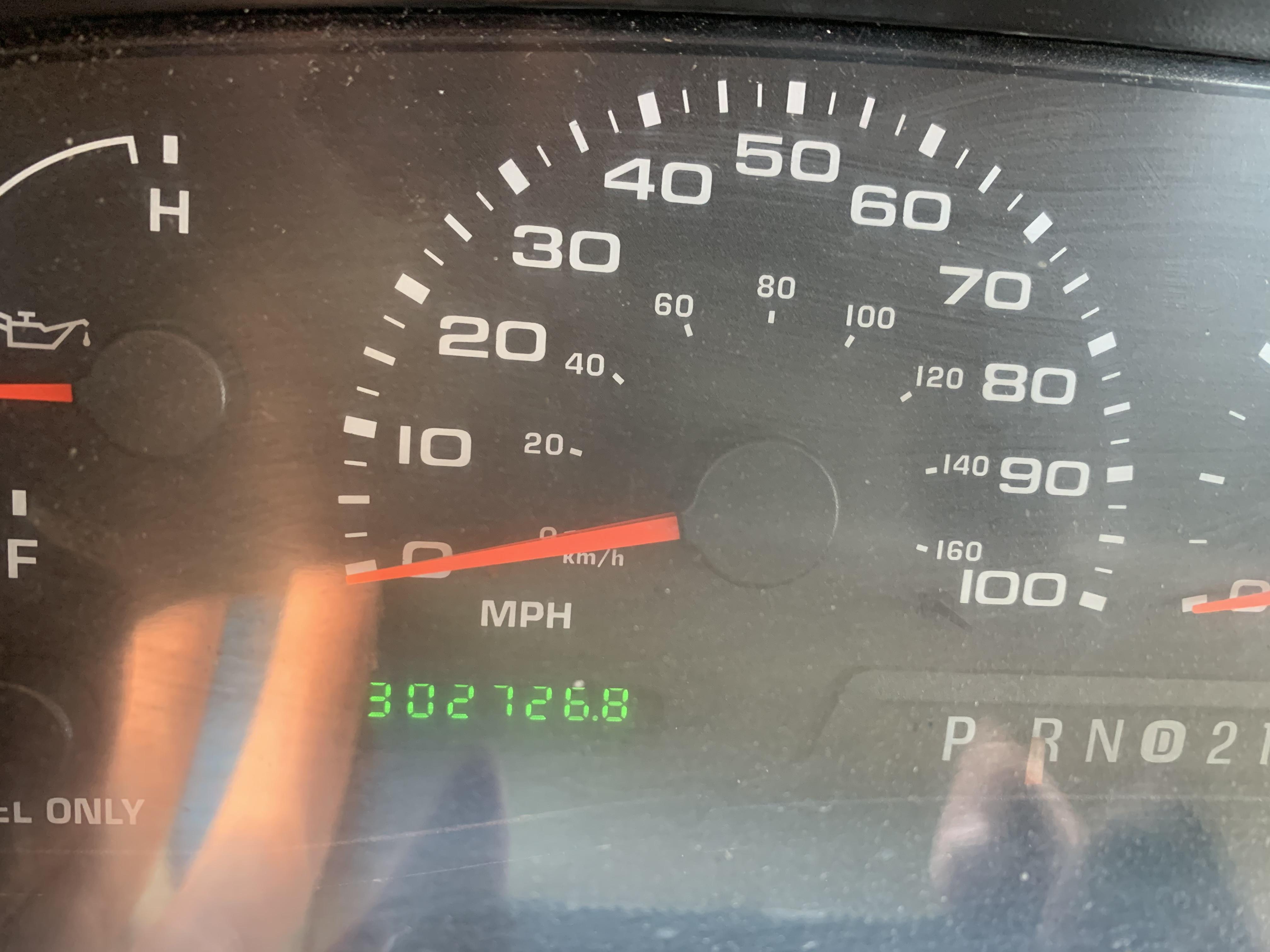 Lot 53 - 2001 F-350 2WD. 7.3 Diesel Automatic Service Truck