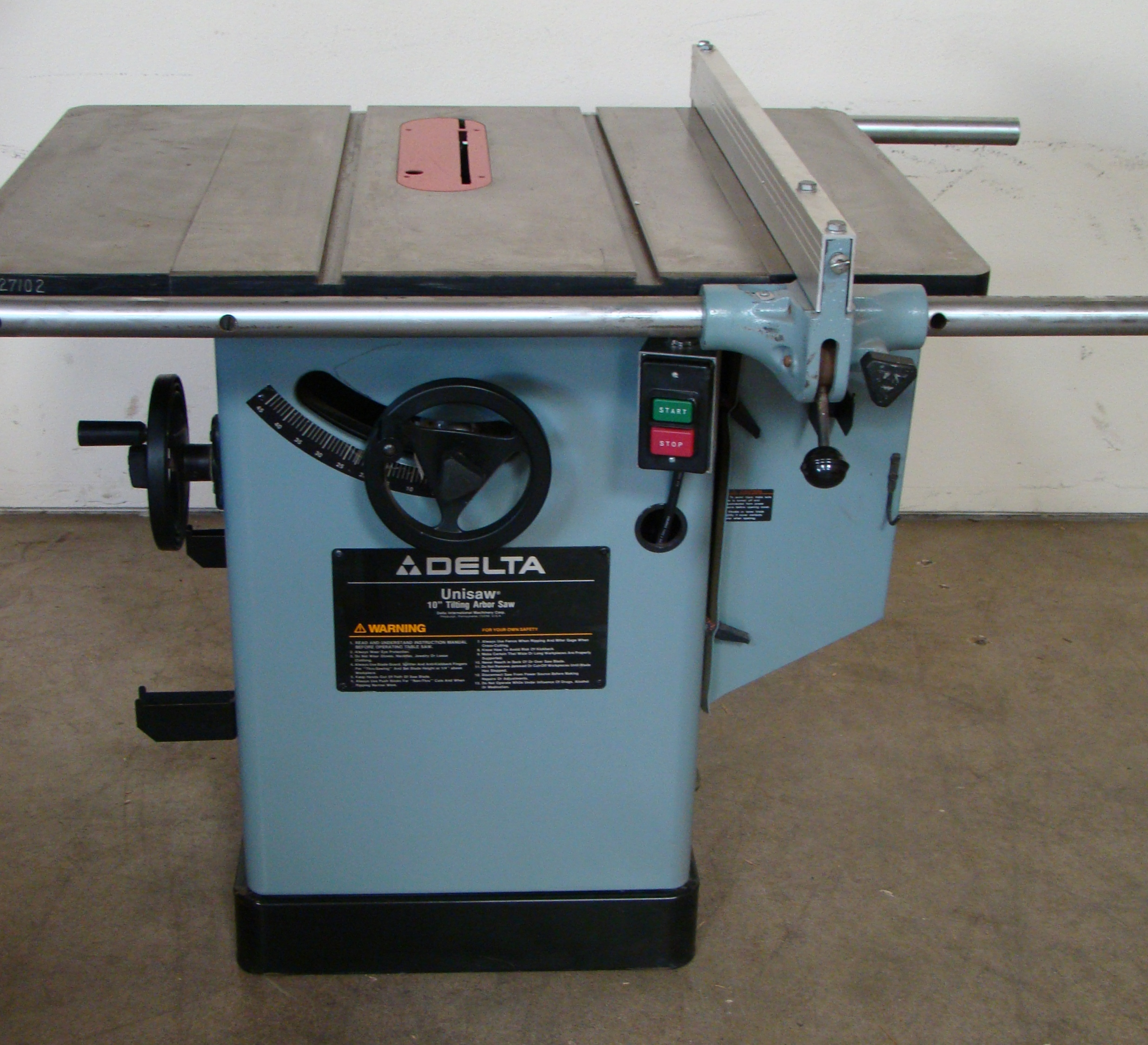 "Lot 49 - Delta Unisaw 10"" Tilting Arbor Table Saw 25"" Jet Lock Rails & Fence 5HP 220 Volt 3PH"