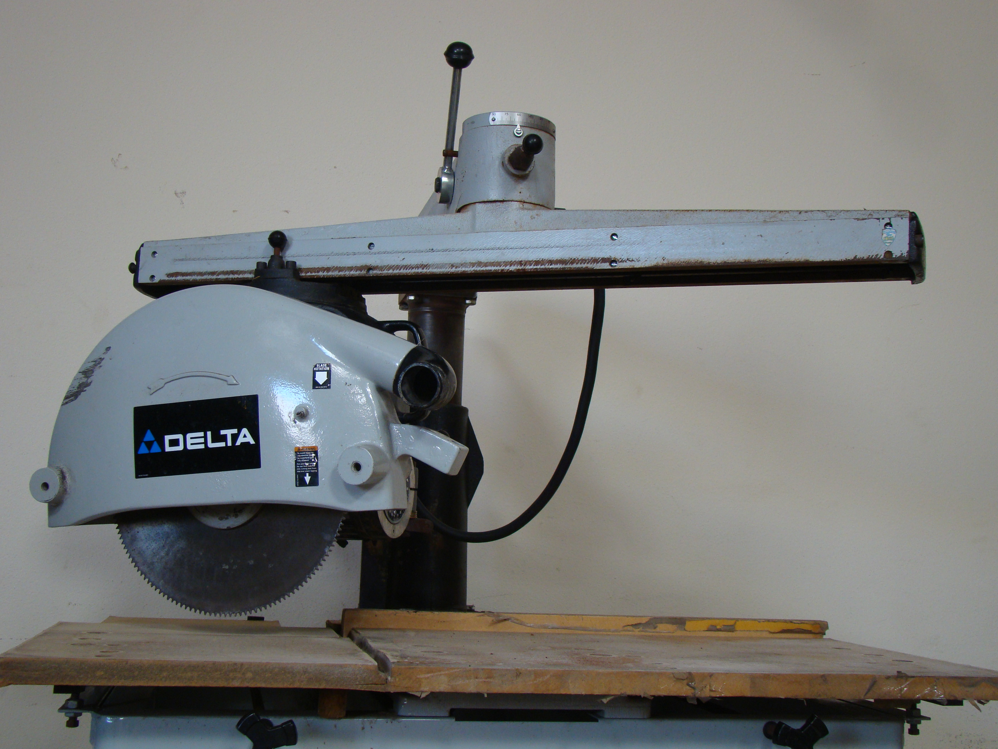 "Delta 33-421 18"" Radial Arm Saw 7.5 HP 230/460 Volt 3PH - Image 6 of 7"