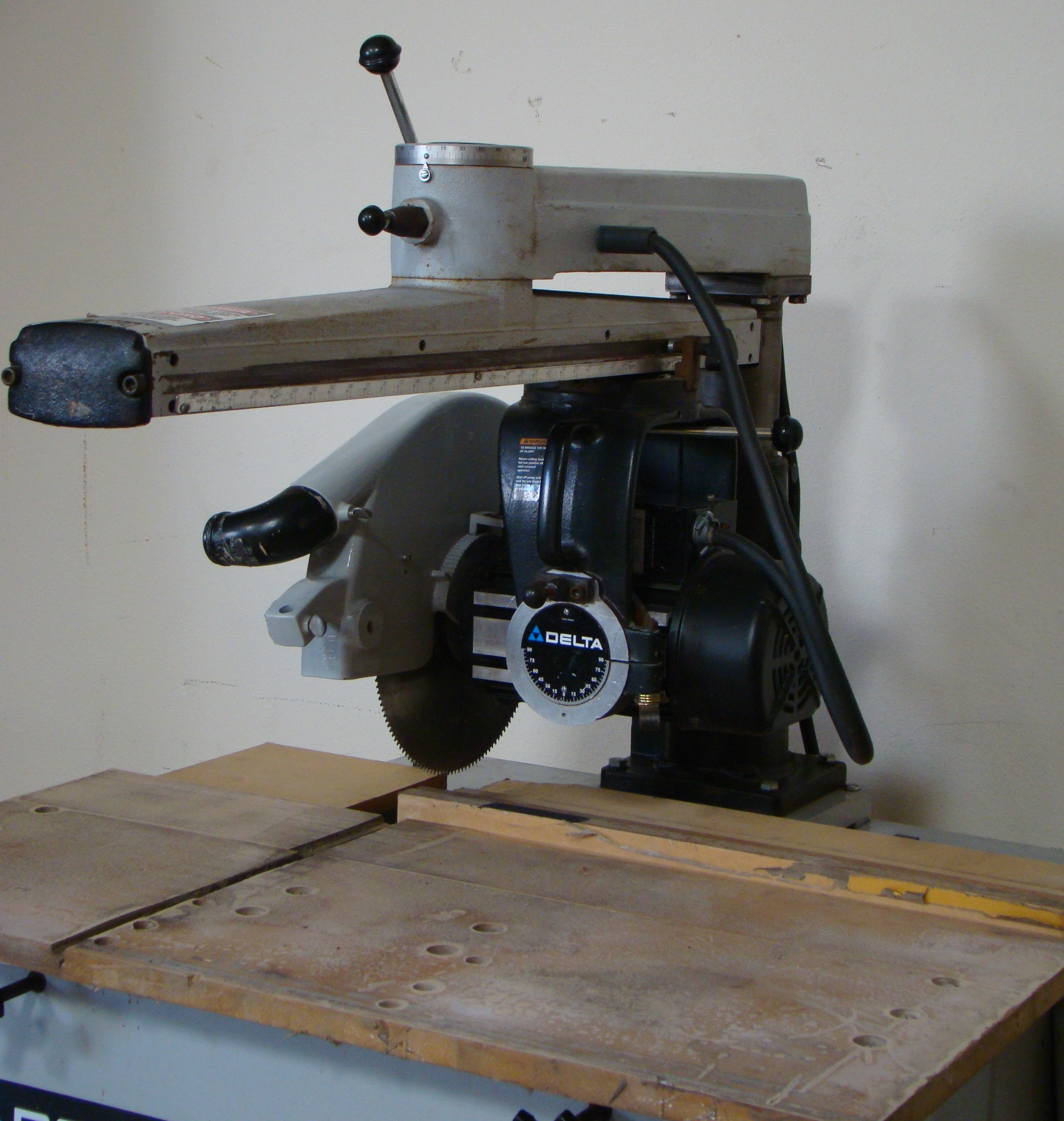 "Delta 33-421 18"" Radial Arm Saw 7.5 HP 230/460 Volt 3PH - Image 3 of 7"
