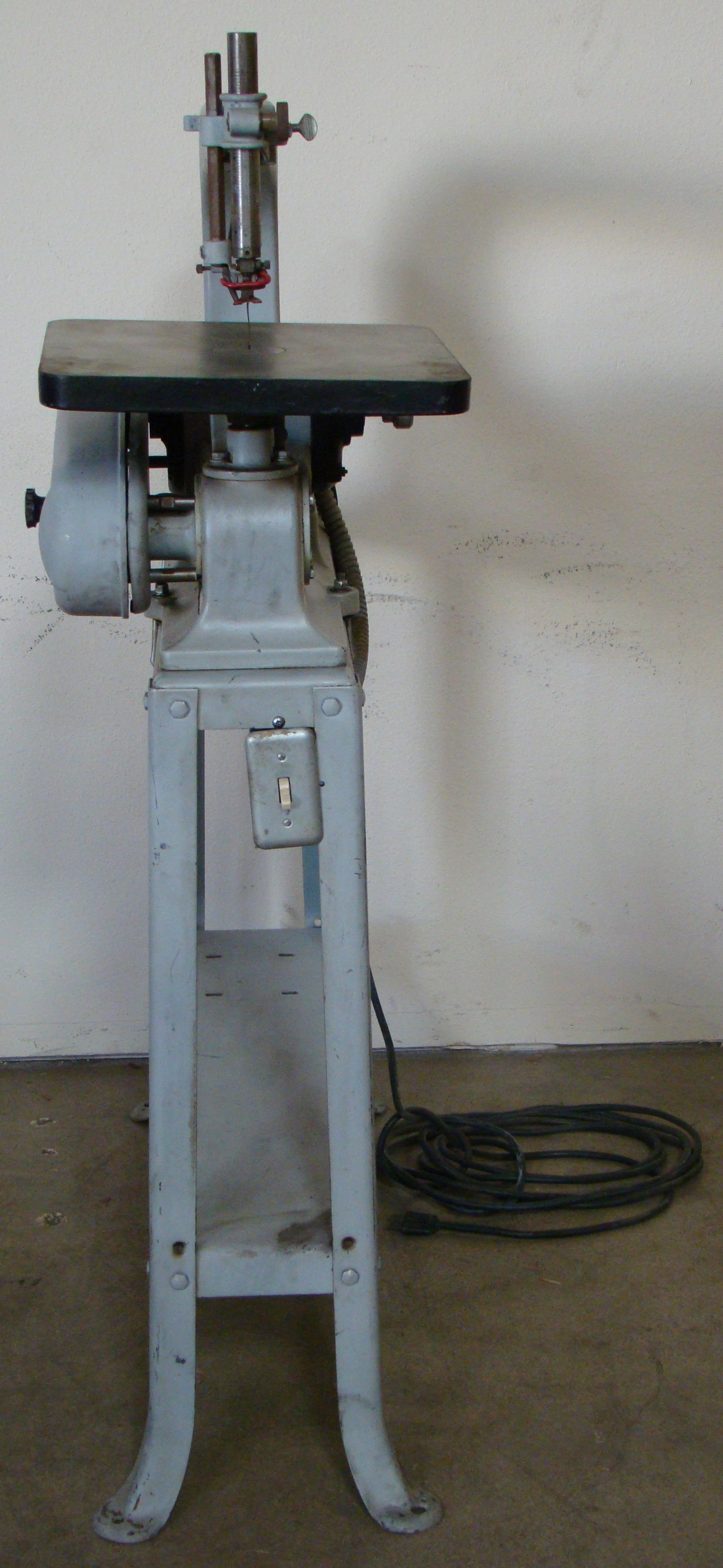 "Delta Rockwell 24"" Scroll Saw with Stand Model 1/8HP 115/230 Volt 1PH - Image 4 of 5"