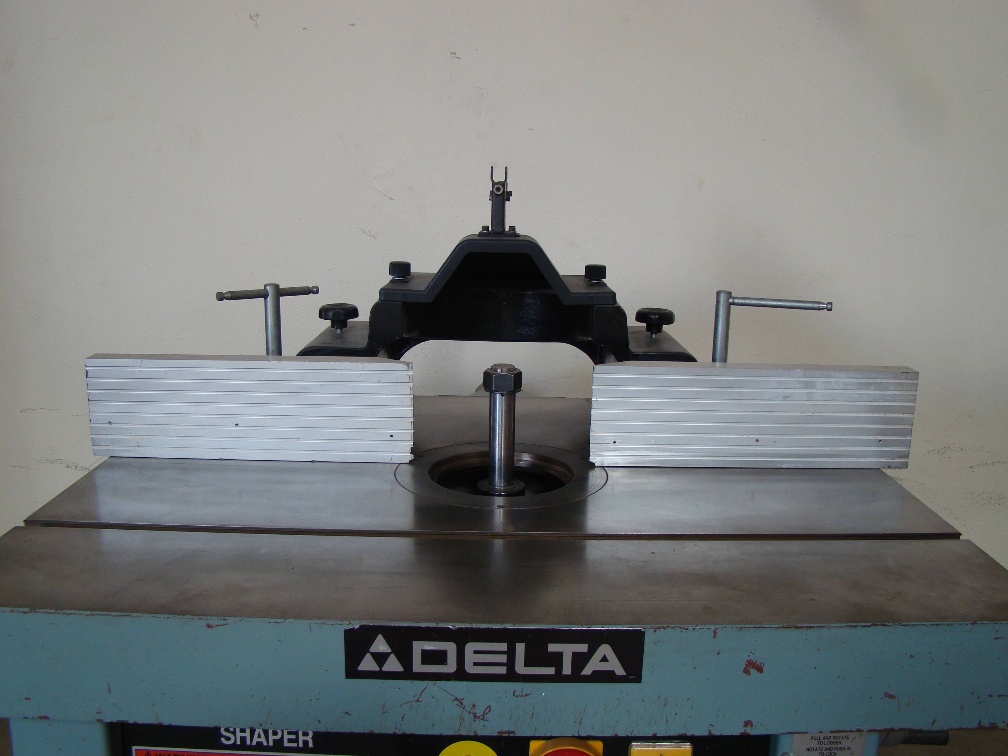 """Delta Wood Shaper 43-791 5 speed 1-1/4"""" Spindle 7.5 HP 200-220/440 Volt 3PH - Image 4 of 6"""