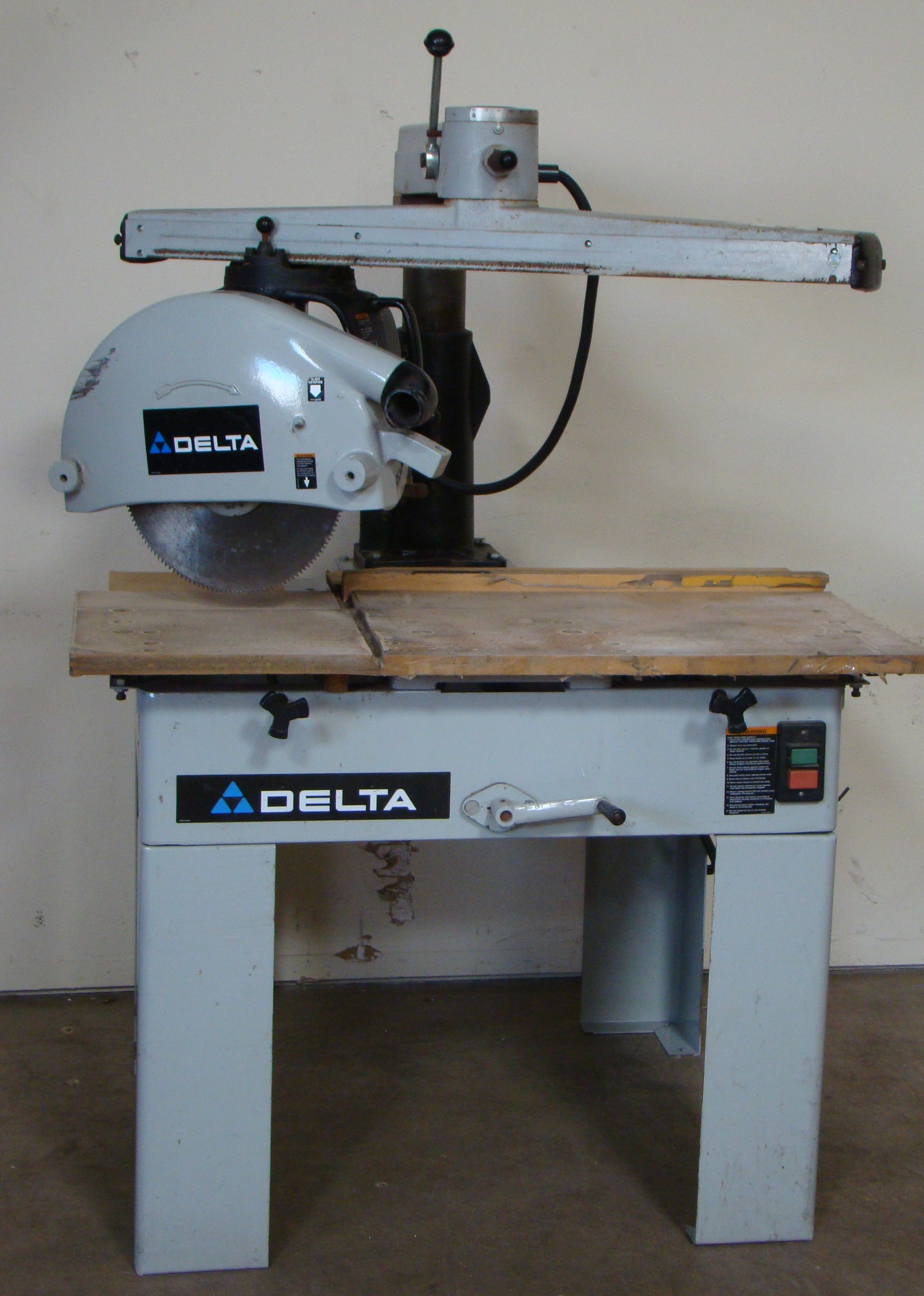 "Delta 33-421 18"" Radial Arm Saw 7.5 HP 230/460 Volt 3PH - Image 2 of 7"