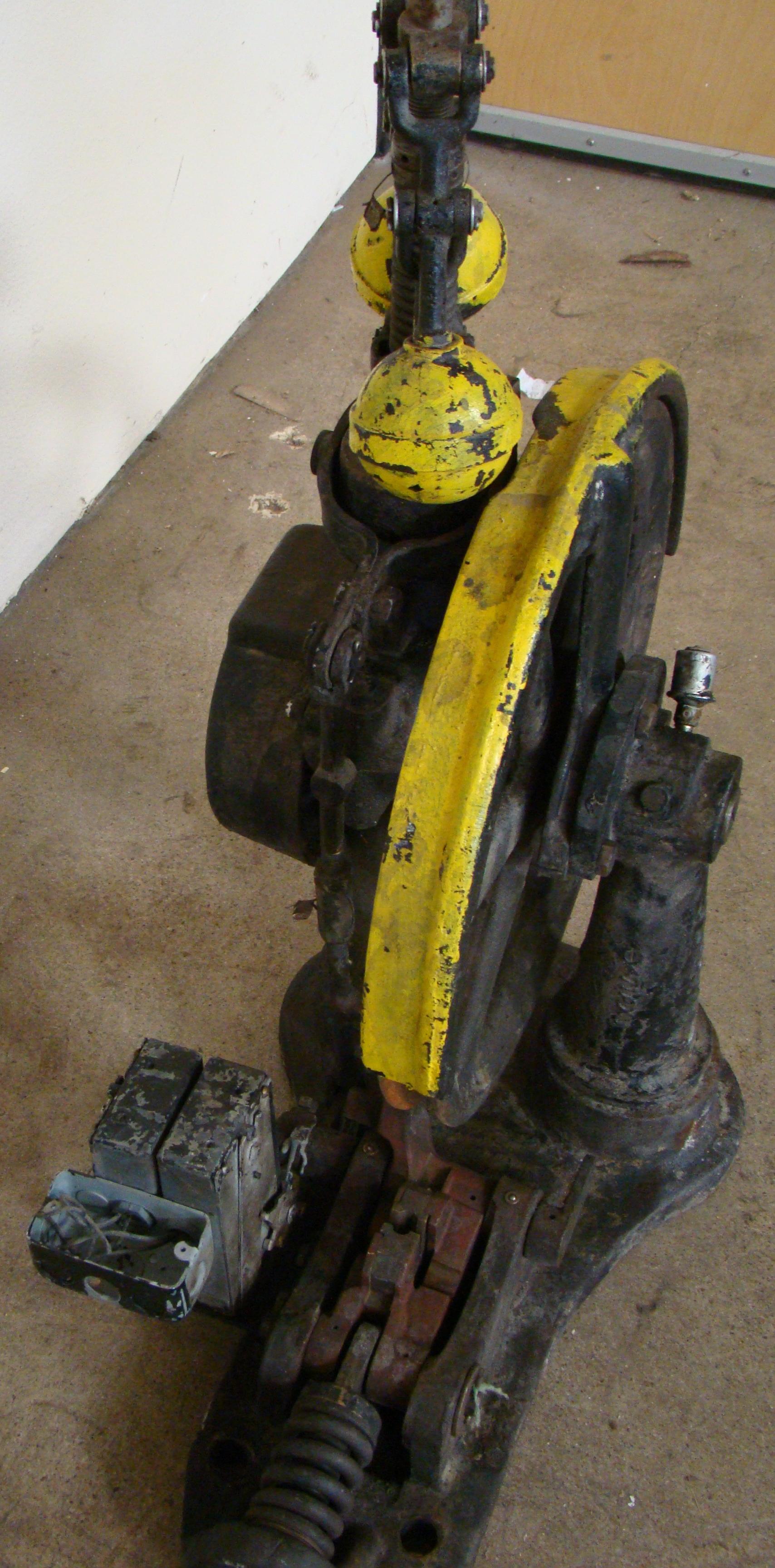 Antique Otis Elevator Safety Governor Brake, Cast Iron Brass Steampunk Carspeed, 700 FPM - Image 4 of 5