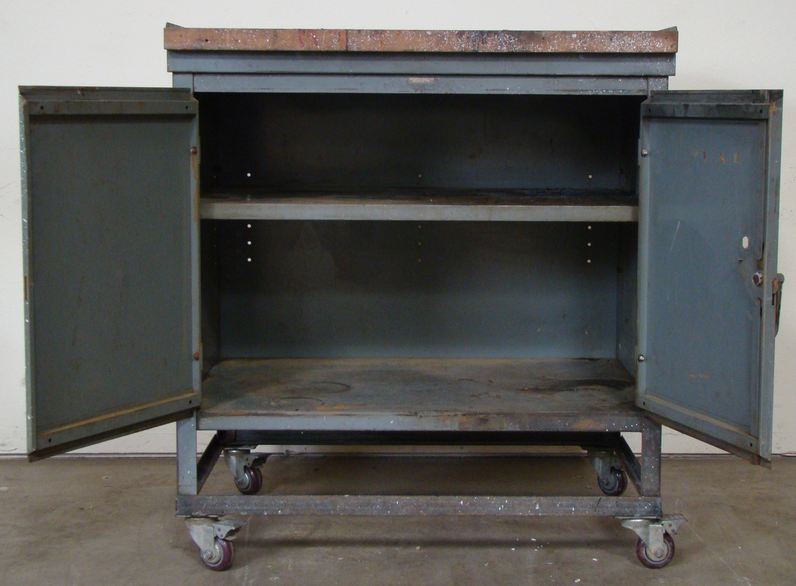 """Rolling Storage Cabinet 40""""h x 36""""w x 25""""d - Image 5 of 6"""