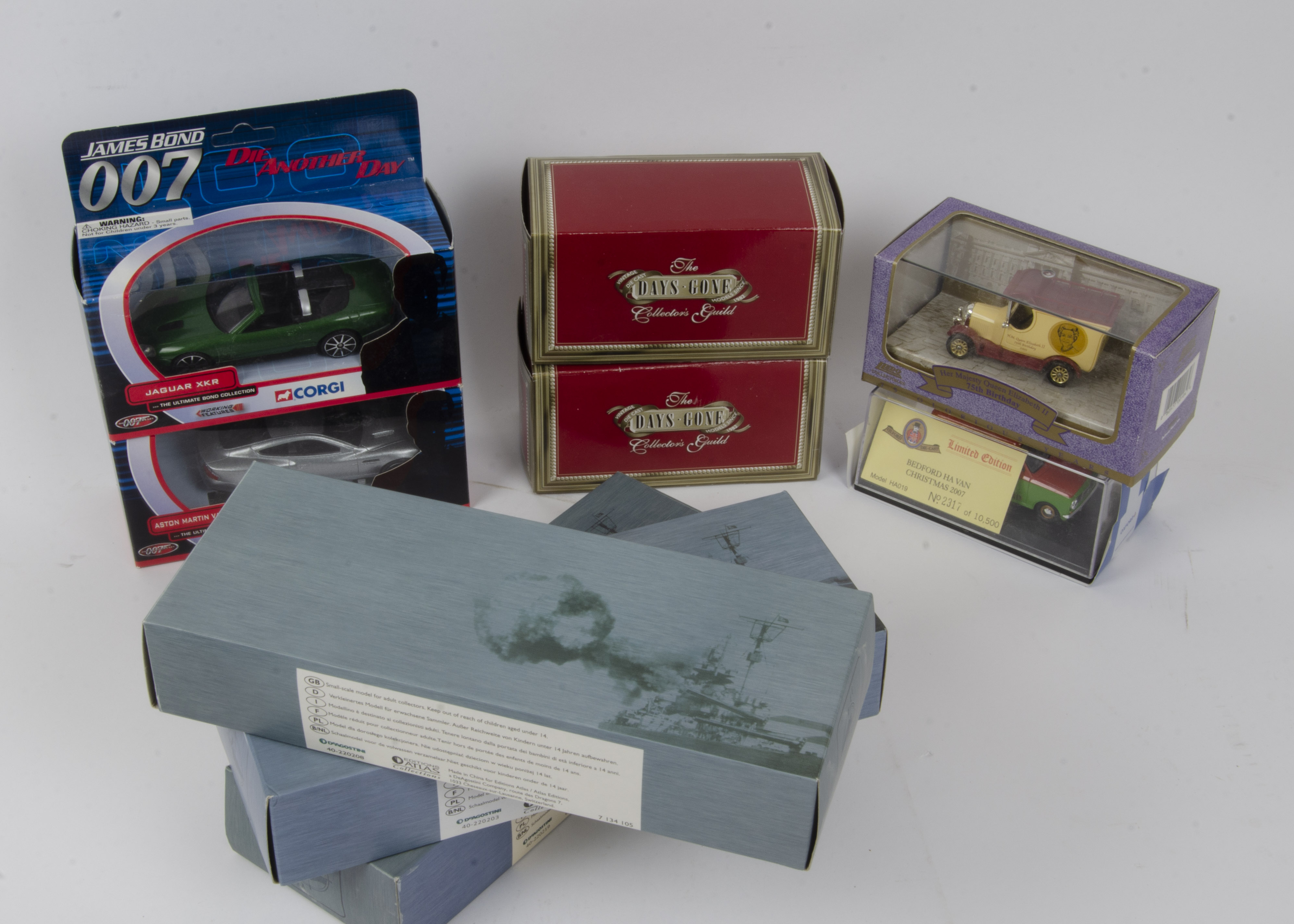 Modern Diecast Vehicles, a boxed collection of vintage and modern, private, military and