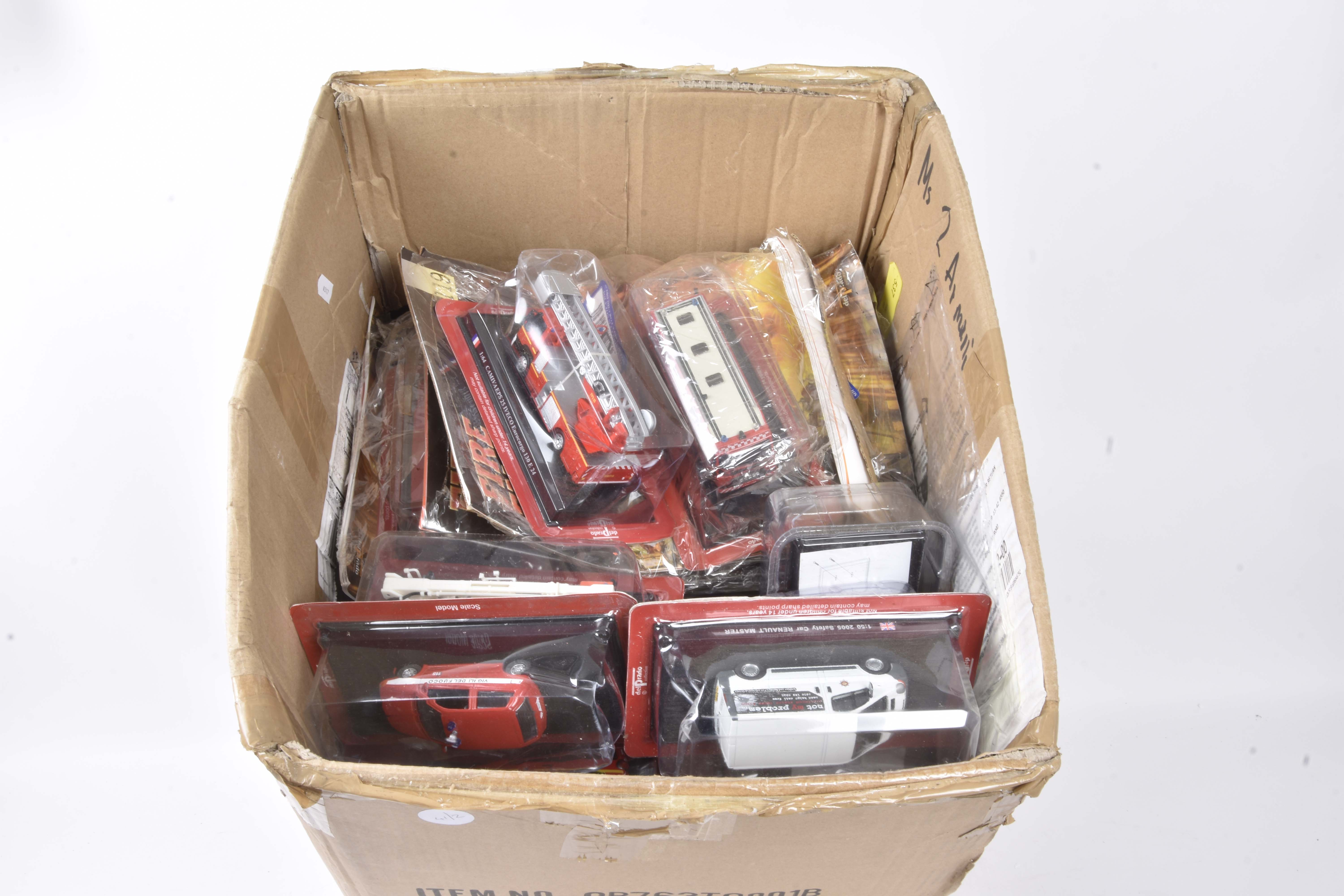 Modern Diecast Magazine Issues, a bubble packed collection some with literature by De Agostini/Del - Image 2 of 2