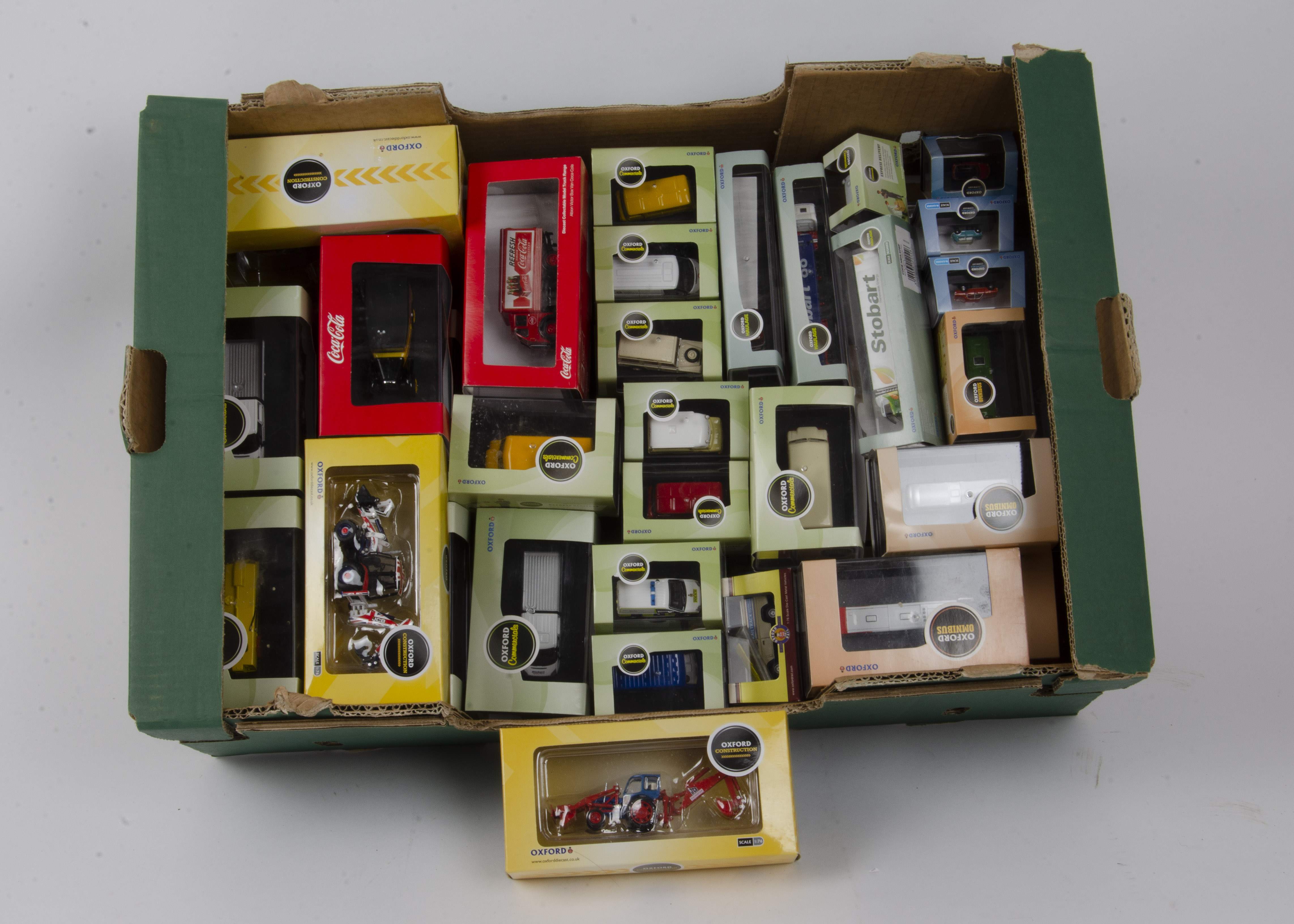 Oxford Diecast N Gauge and 1:76 Scale Models, a cased collection mostly with card sleeves