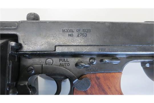 Replica tommy gun model of 1928 No 2753