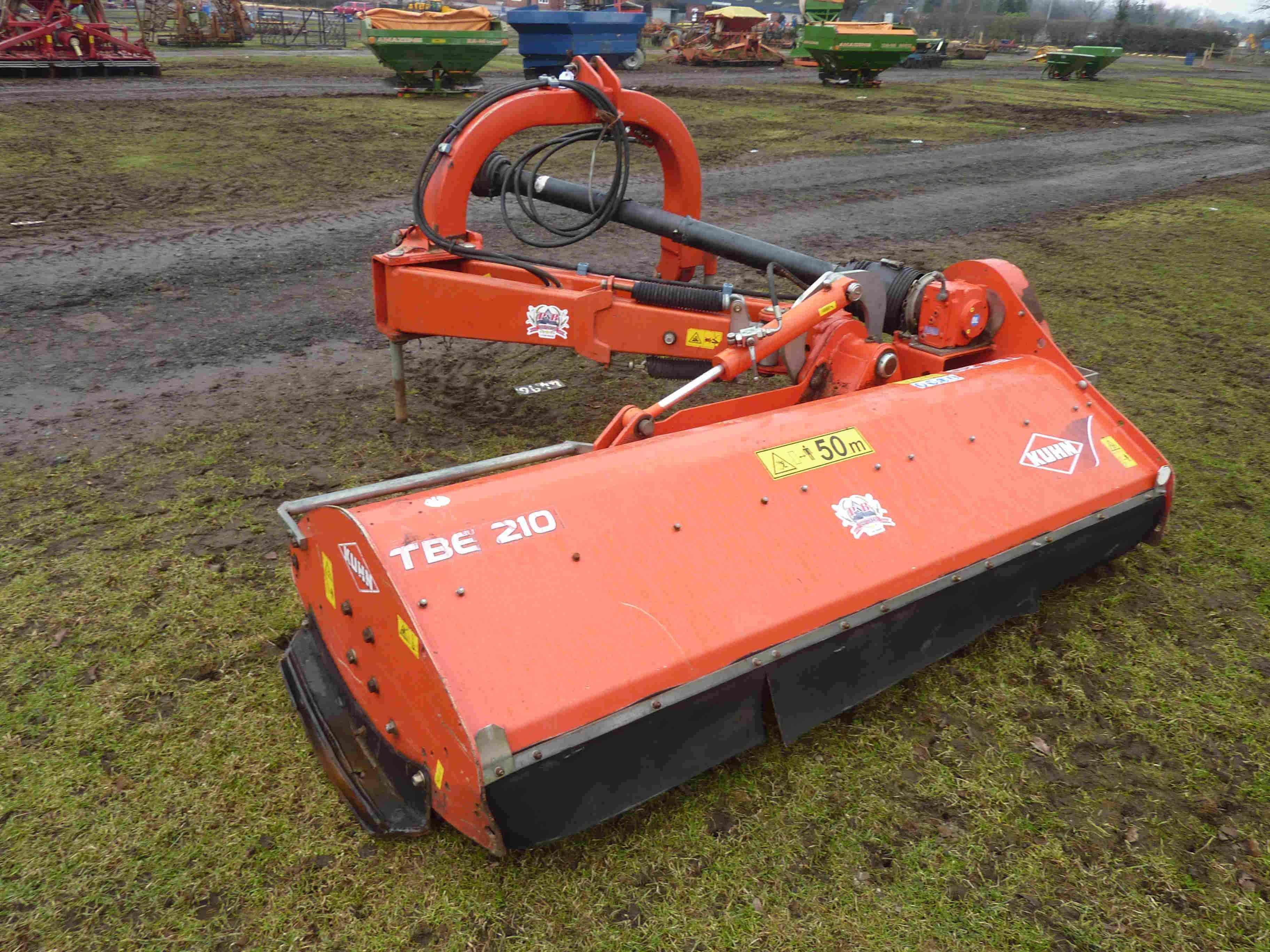 4496 Kuhn TBE 210 offset flail mower
