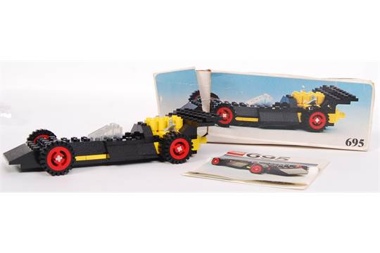 An original vintage 1976 issued Lego set 695 ' Racing Car
