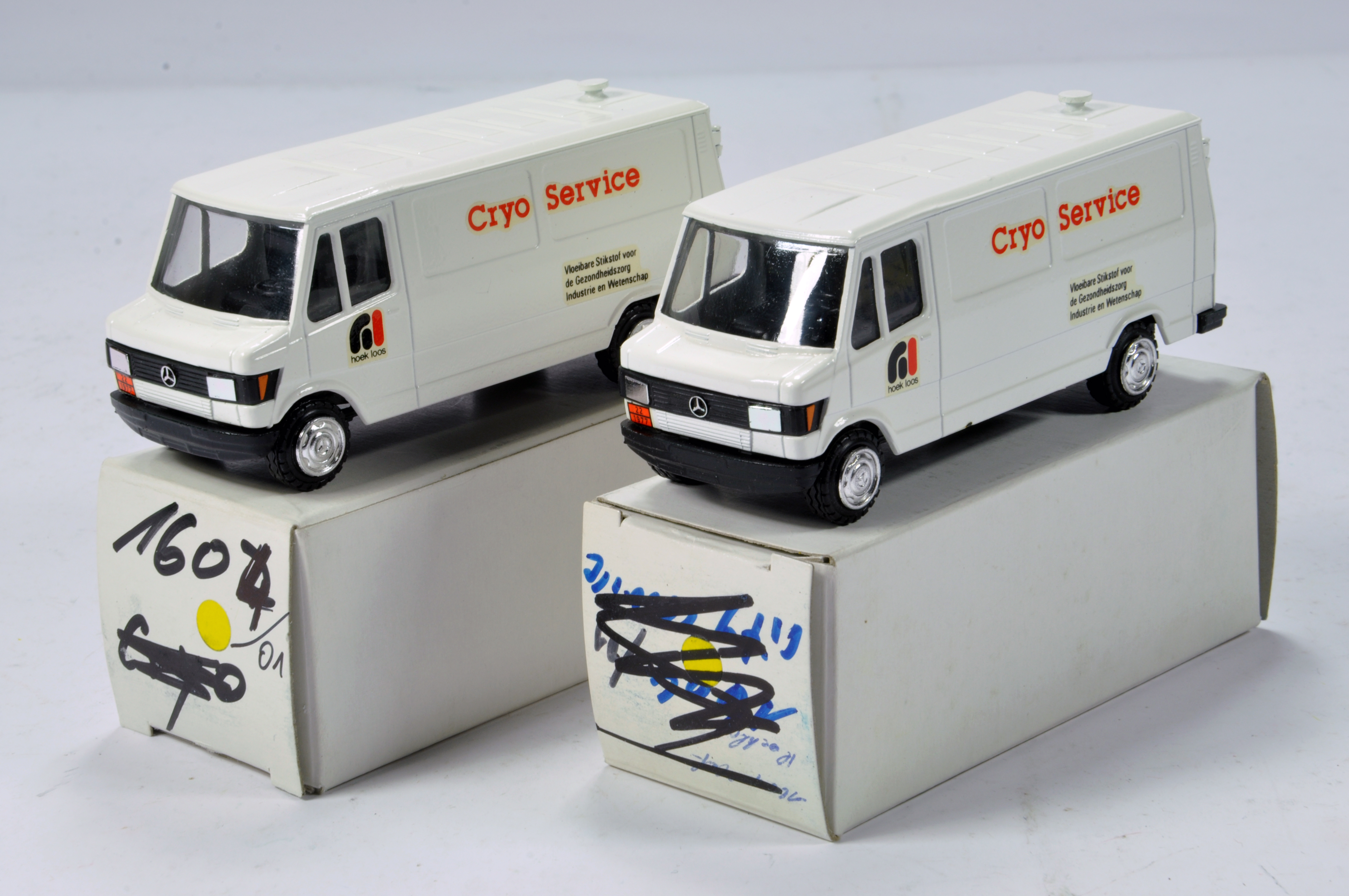 Lot 322 - Conrad 1/50 Construction Diecast No. 1604 Mercedes Benz 307D Service Vans. Cryo Service. Scarce