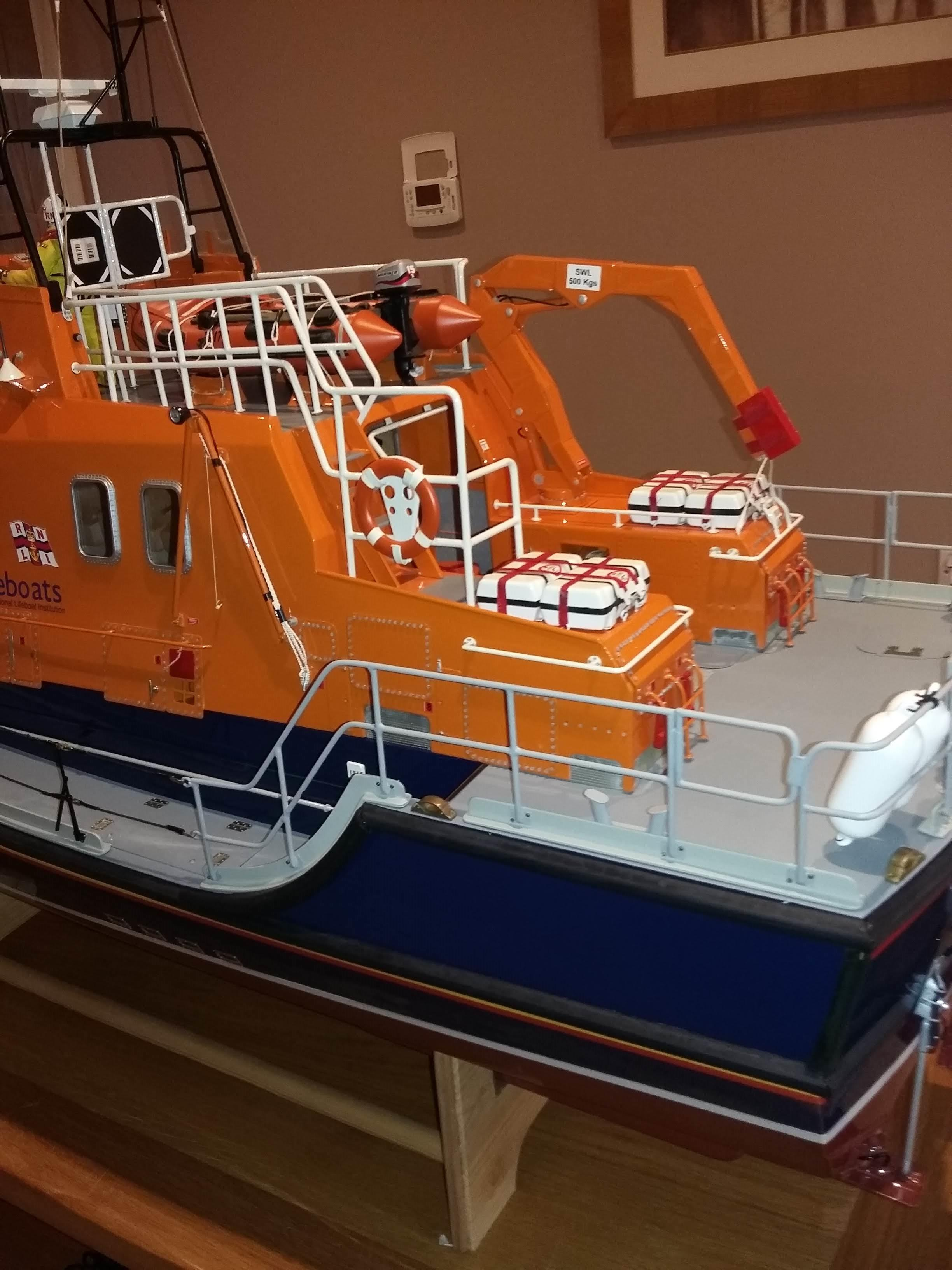 Lot 210 - Speedline Severn 1/12 scale model of a RNLI Tobermory 17 39 . Approx 57 inch length,18 inch wide, 37