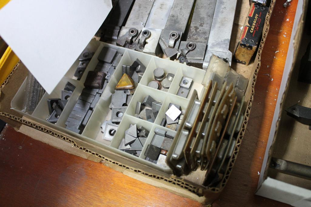 Lot 10 - Carbide insert lathe tools w/ inserts