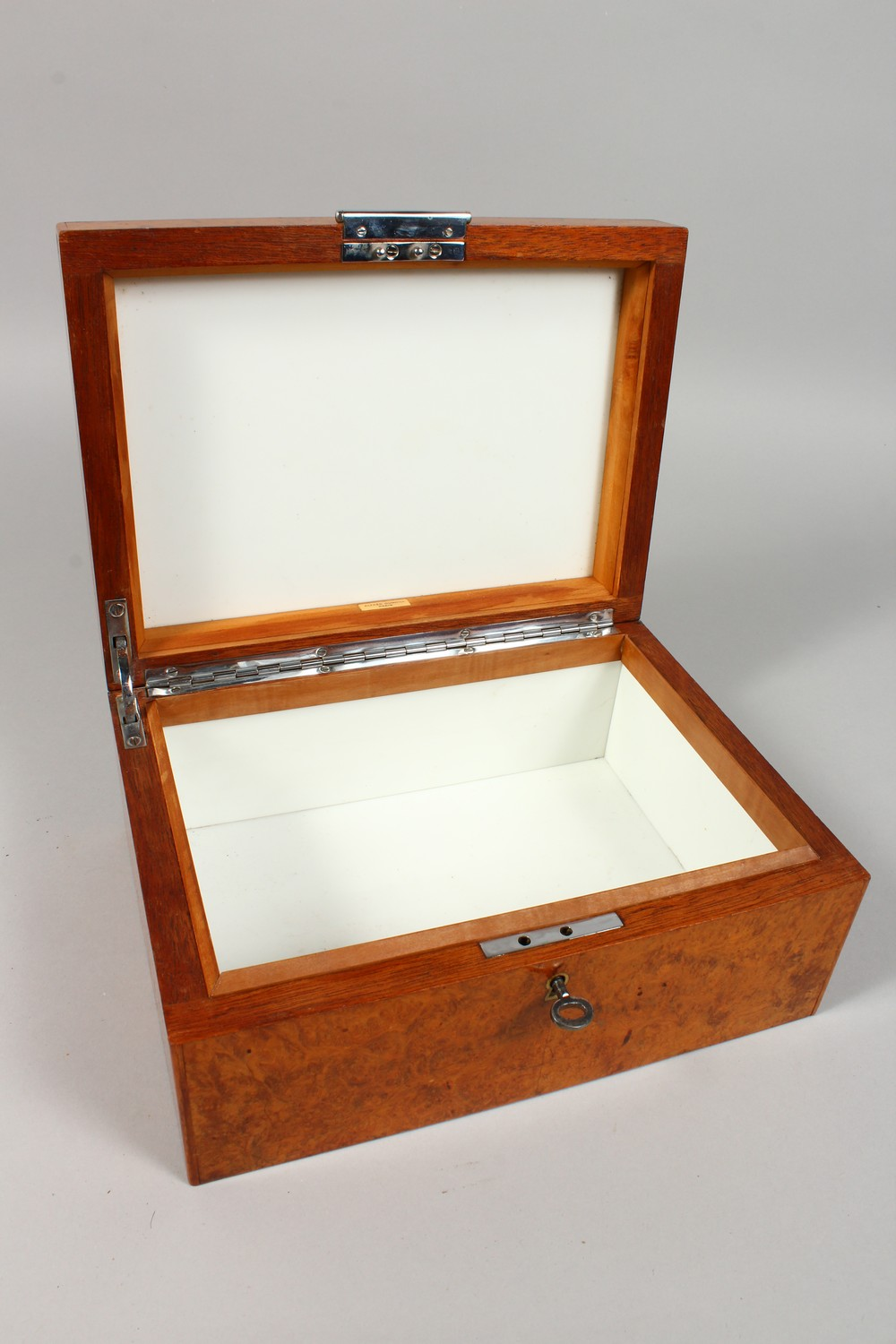 ALFRED DUNHILL, A GOOD BURR WOOD HUMIDOR. 10.25ins wide. - Image 3 of 3