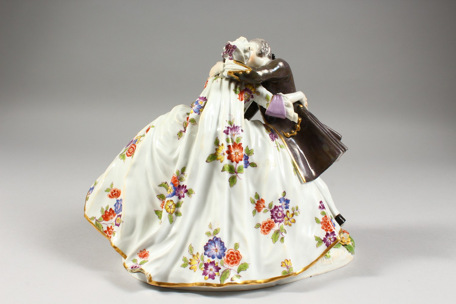 A GOOD LARGE MEISSEN FIGURE GROUP OF A GALLANT AND LADY, in a romantic embrace, the lady with a - Image 4 of 7