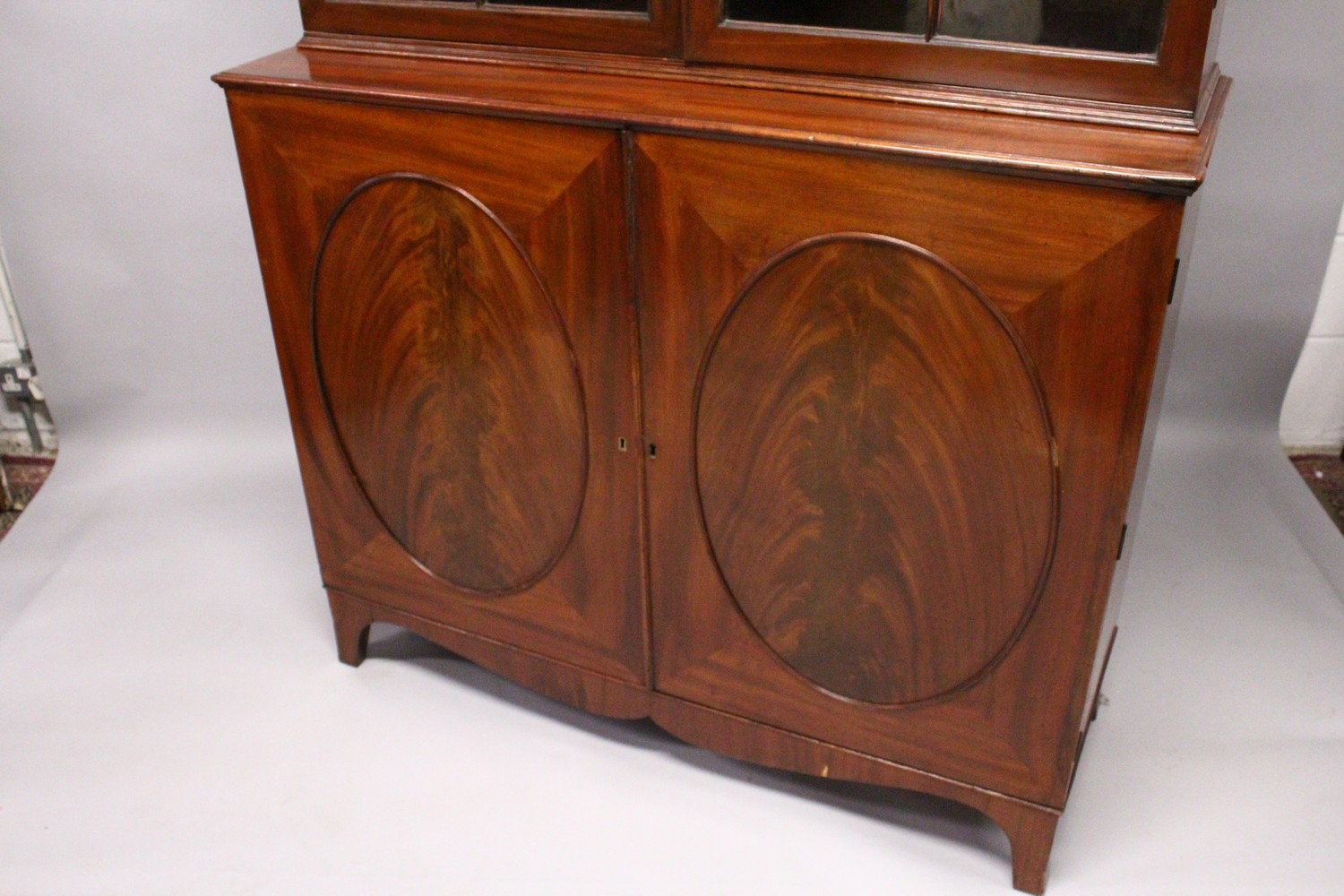 A GEORGE III DESIGN MAHOGANY CUPBOARD BOOKCASE, 19TH CENTURY, with a moulded cornice, pair of - Image 5 of 10