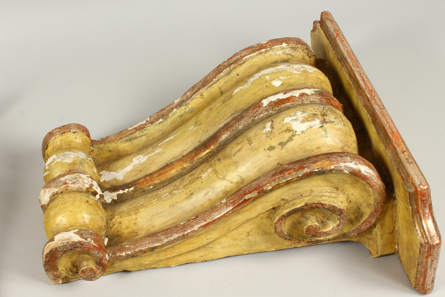 A PAIR OF 19TH/20TH CENTURY CARVED, GESSO AND PAINTED SCROLLING WALL BRACKETS. 41cms high x 40cms - Image 5 of 10