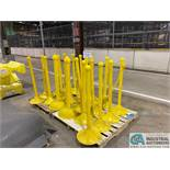 (LOT) POLY SAFETY BARRIERS