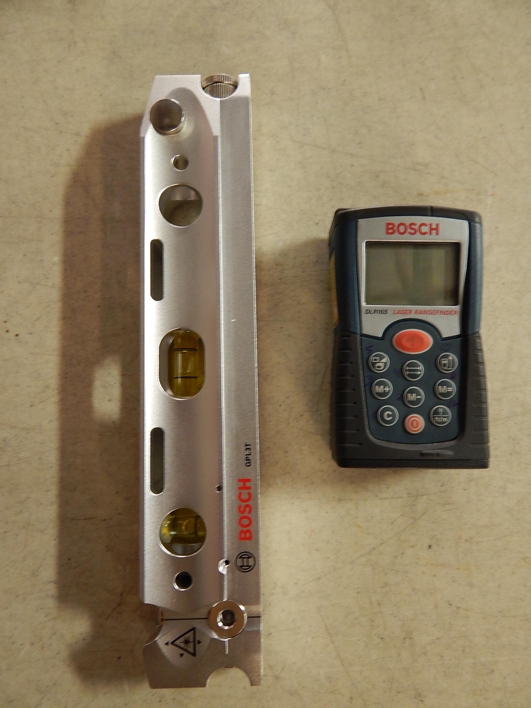 Lot 4 - Bosch DLR165 Laser Rangefinder and Bosch GPL3T Laser Level