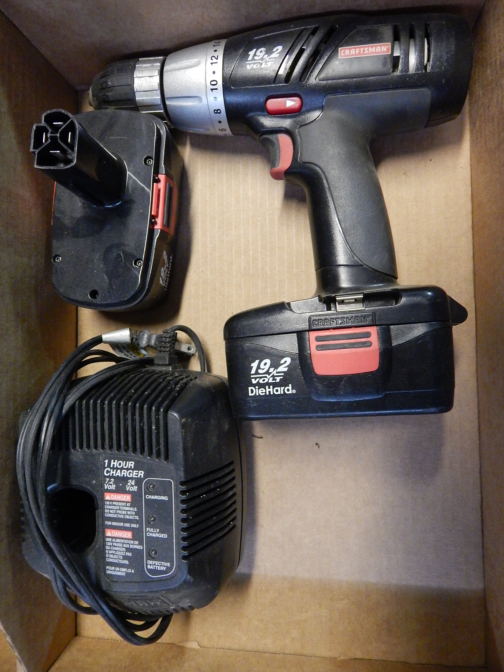 Lot 41 - Craftsman 19.2V Cordless Drill w/ (2) Batteries and Charger