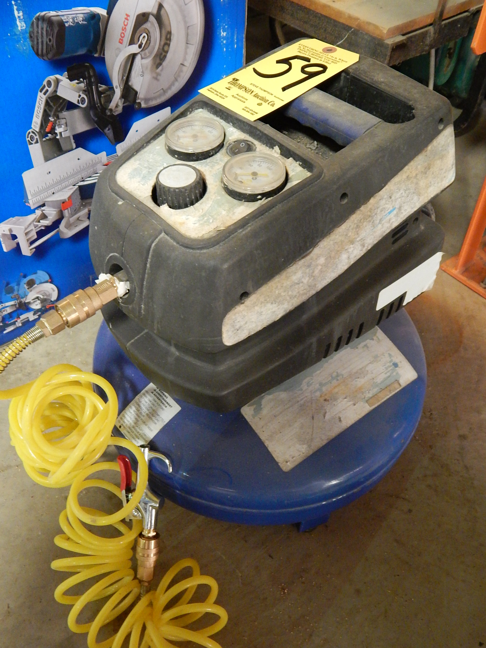 Lot 59 - Portable Air Compressor, 125 PSI, 4 Gallon Tank
