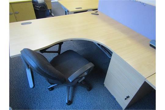 Wood Veneer L Shape Office Desk Module 160cm X 160cm X