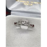 14ct GOLD 3 X PRINCESS CUT DIAMOND RING