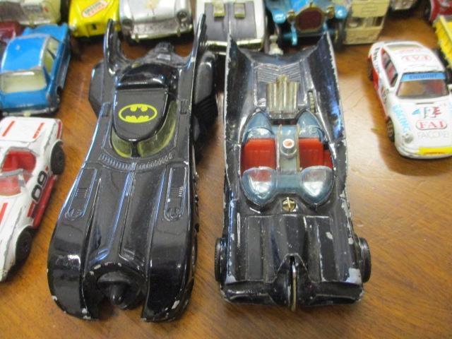 Lot 48 - A vintage Corgi Batmobile diecast vehicle and a late 1989 Ertl Batmobile, together with vintage