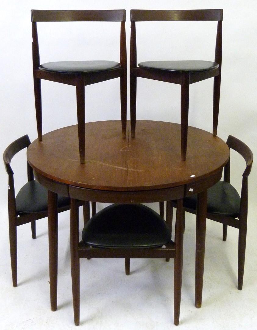 A mid century frem rojle hans olsen danish extending teak for Table 8 beeston