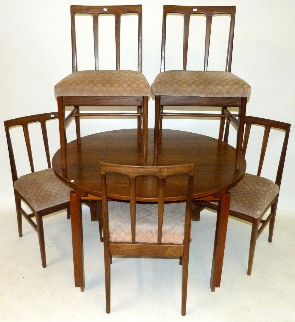 A france sons danish teak dining suite comprising for Table 8 beeston