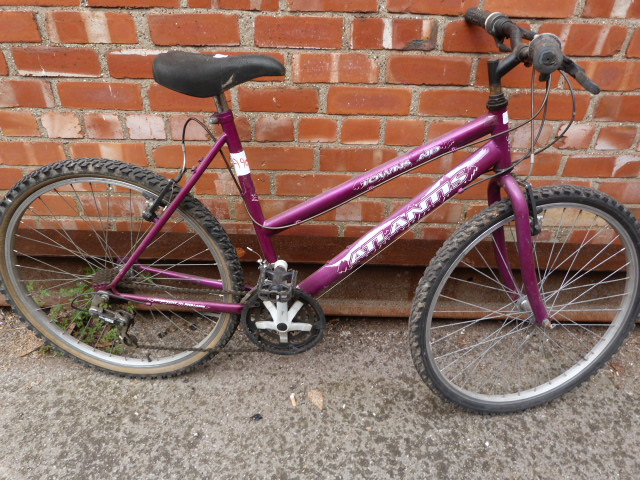 Lot 8 - Townsend Atlantis Bicycle
