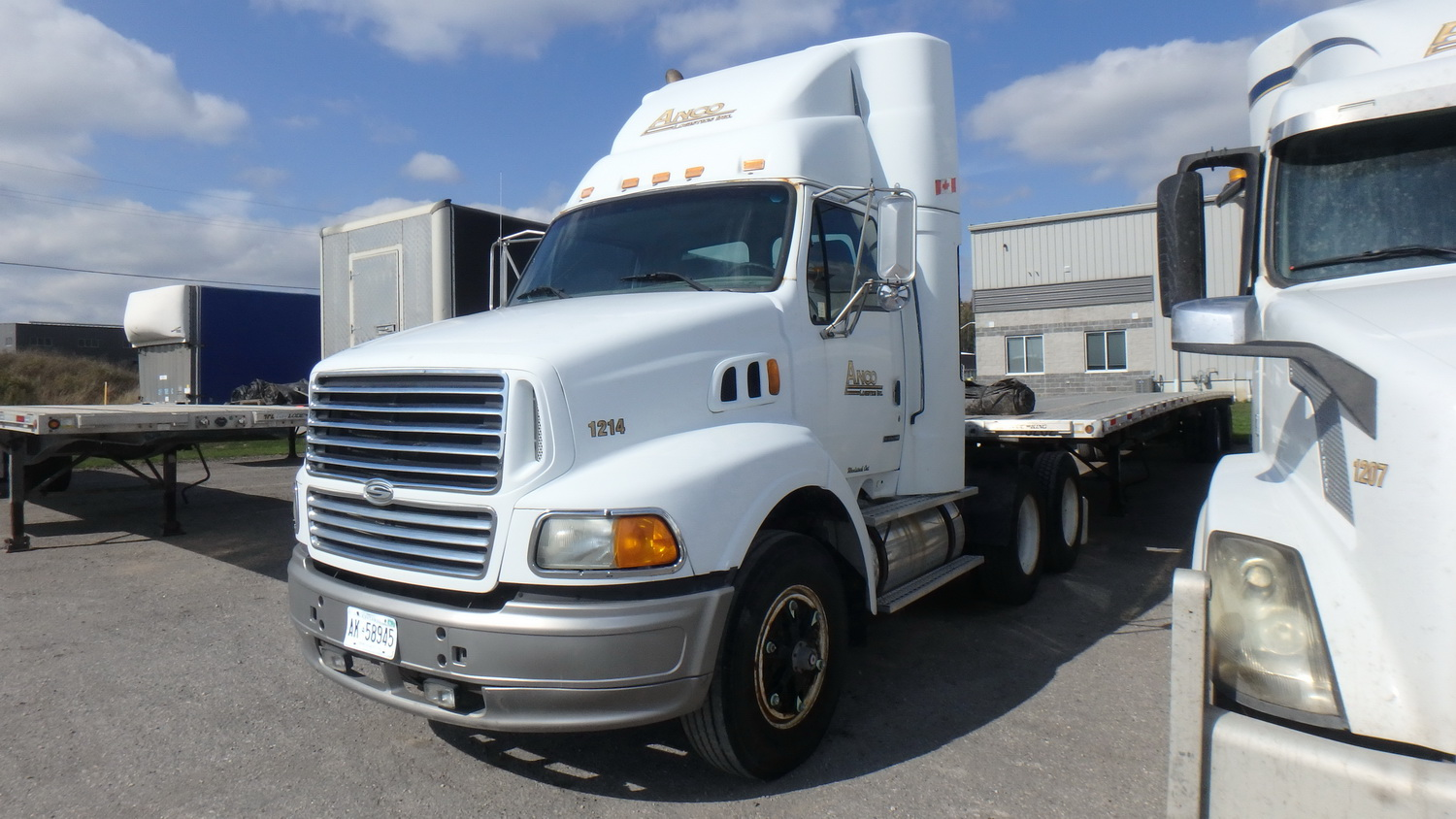 STERLING SERIES 55 A9500 DAY CAB HIGHWAY TRACTOR W/ SERIES 55A9500 I-6 12.0L DIESEL, 6X4, EATON