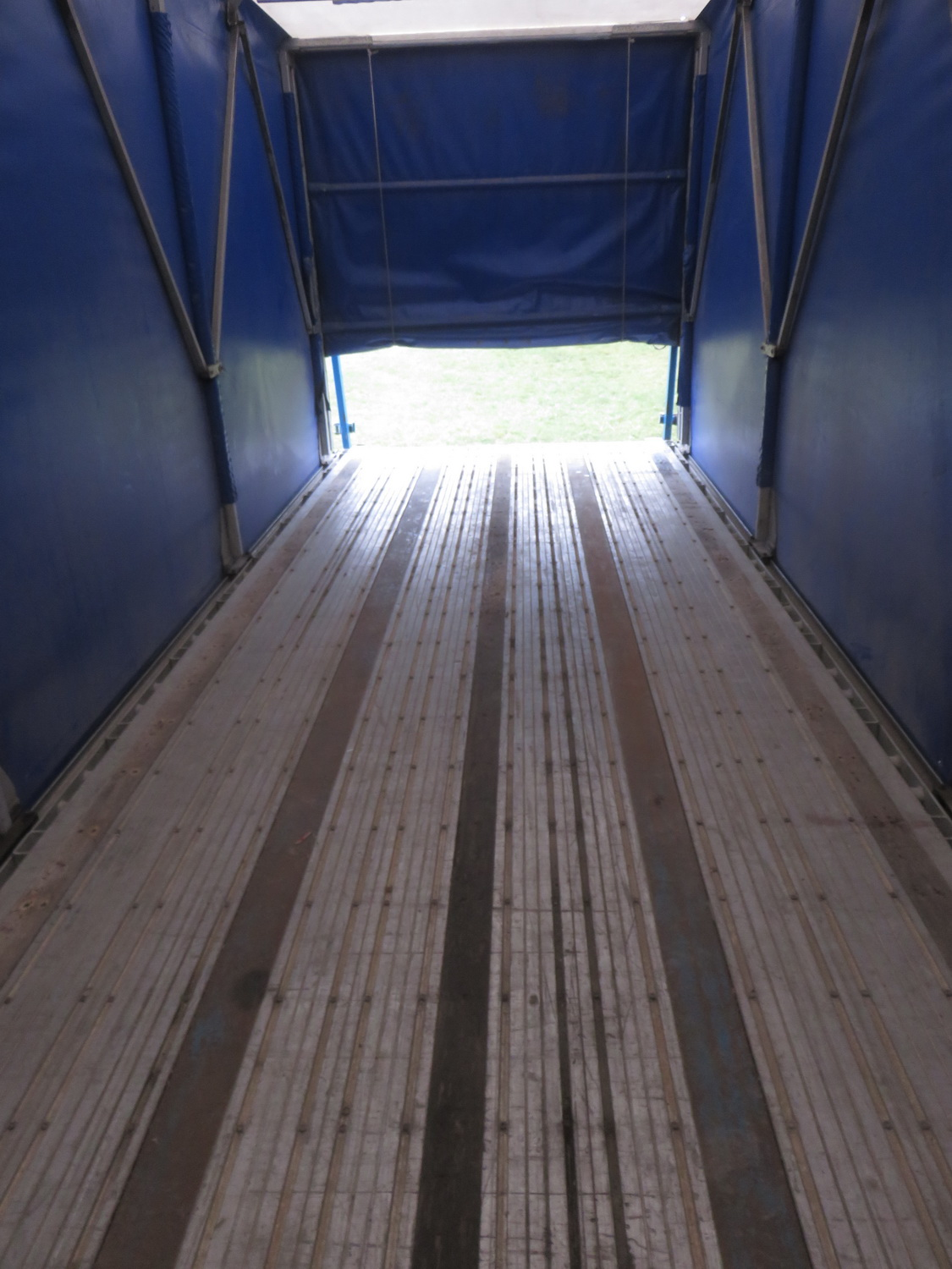 LODE KING 48' TANDEM AXLE BLUE CURTAIN SIDE TRAILER - S/N 2LDPA4829XC032084 - Image 2 of 6