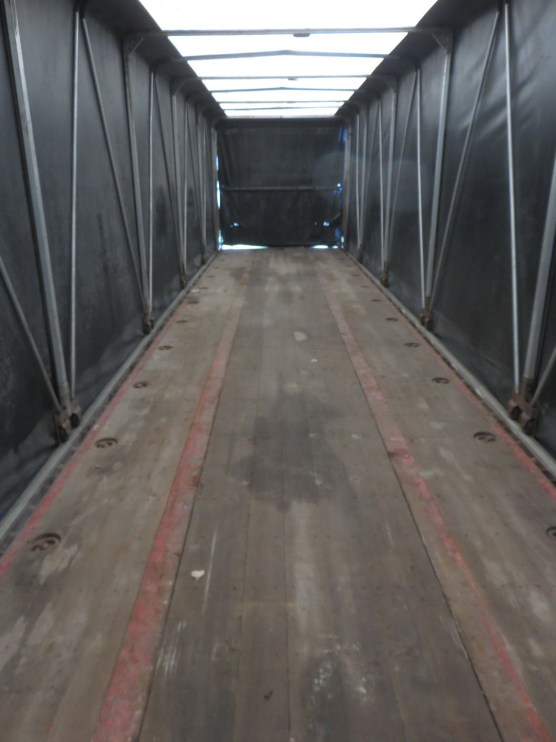 2006 TRANSCRAFT TL2, 53' X TRIAXLE FLATBED CURTAIN SIDE ROLL TITE TRAILER - S/N 1TTF5330161080389 - Image 5 of 5