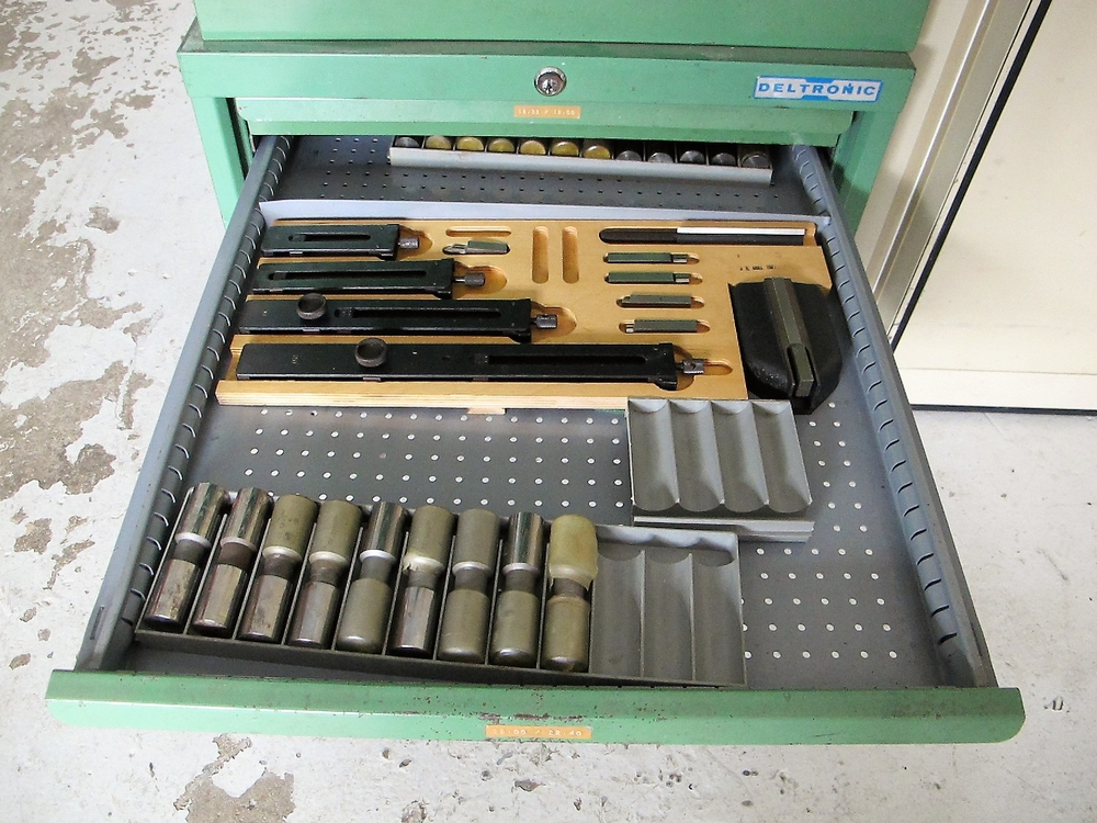 Lot 16 - DELTRONIC PIN GAUGE SET, 0.35 TO 22.4 (METRIC/IMPERIAL) W/1 - 12 DRAWER STORAGE CABINET AND 1 - 4