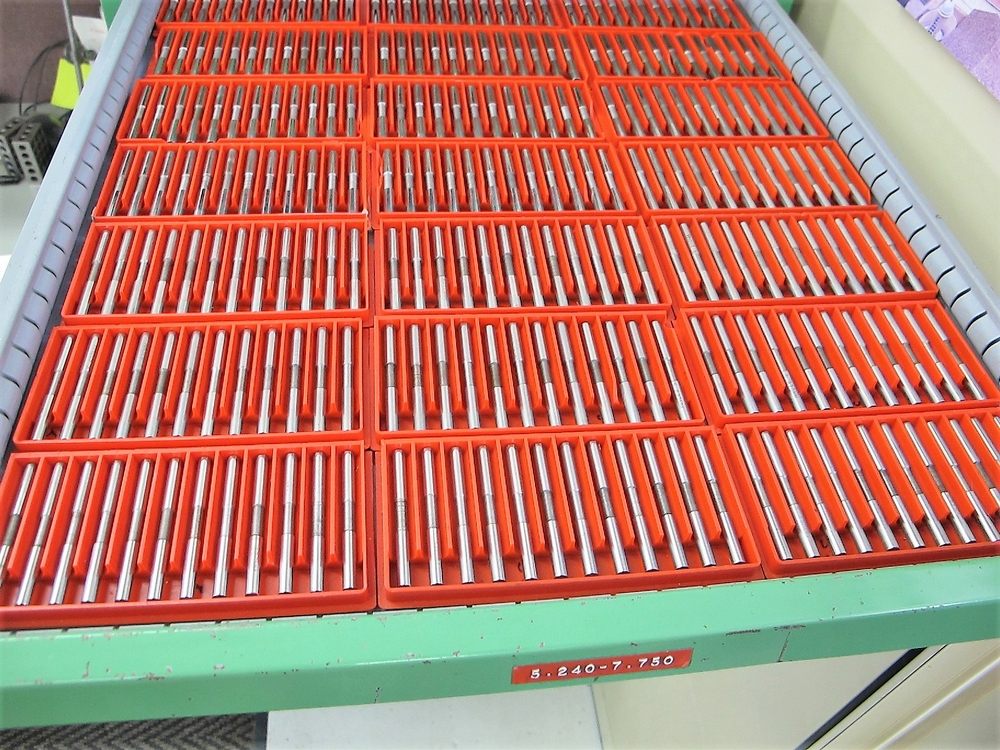 Lot 15 - DELTRONIC PIN GAUGE SET, .200 TO 25.4 (METRIC/IMPERIAL) W/2 - 12 DRAWER STORAGE CABINET