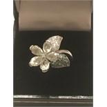 18ct WHITE GOLD DIAMOND SET FLOWER RING