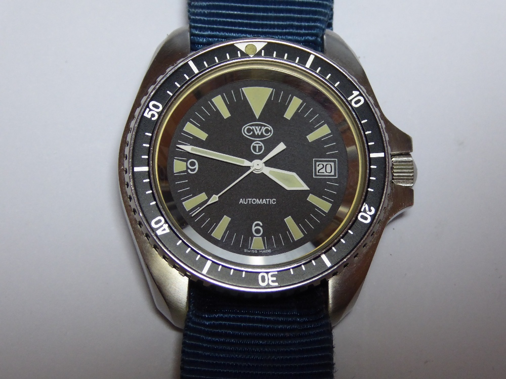 Lot 18 - A Navy Divers watch by CWC having Swiss automatic movement with hack.