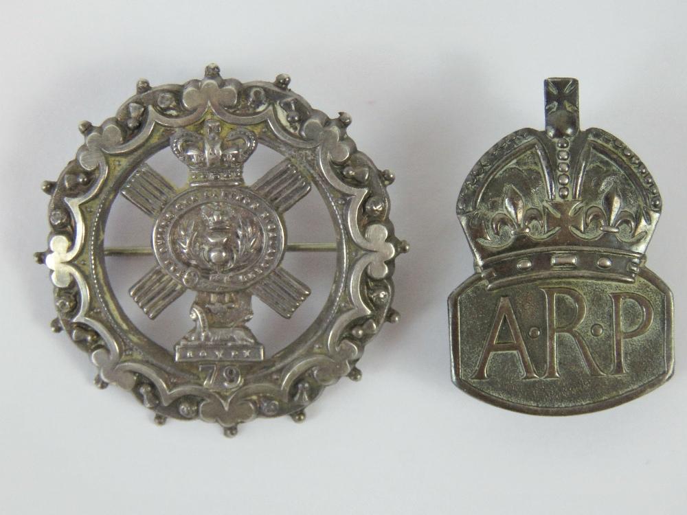 Lot 5 - A HM silver 79th Regiment sweetheart badge, hallmarked Birmingham 1901, 4.